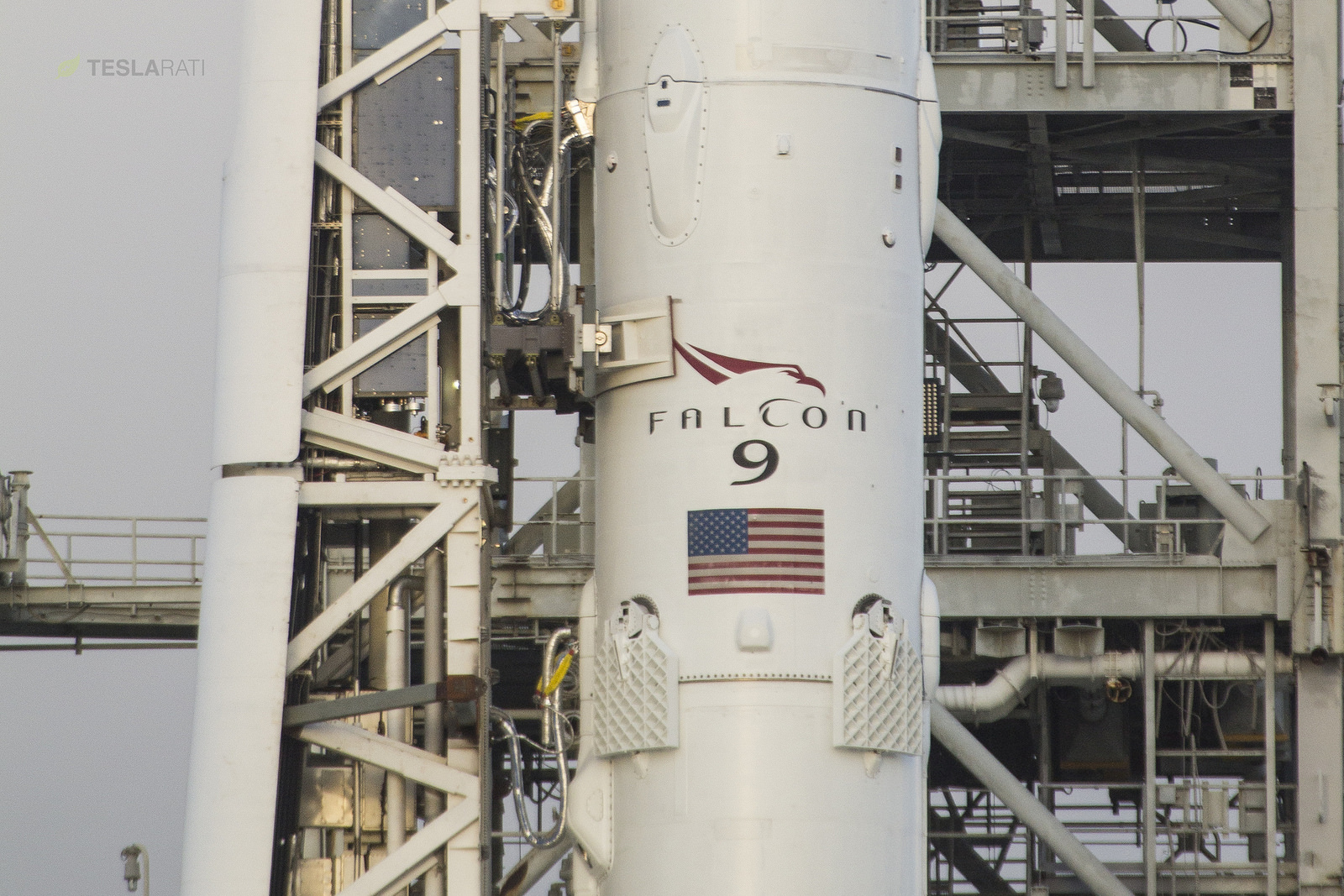spacex-falcon-9-transporter-tom-cross-ses-11