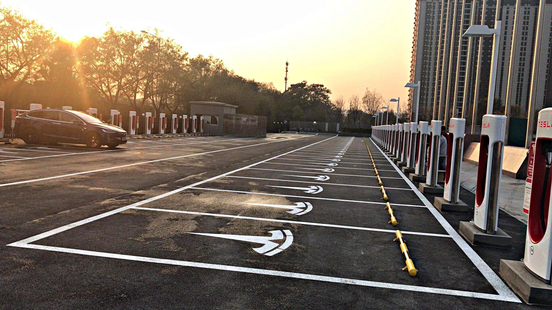 tesla-baolong-mansion-supercharger-beijing-china-50-stalls