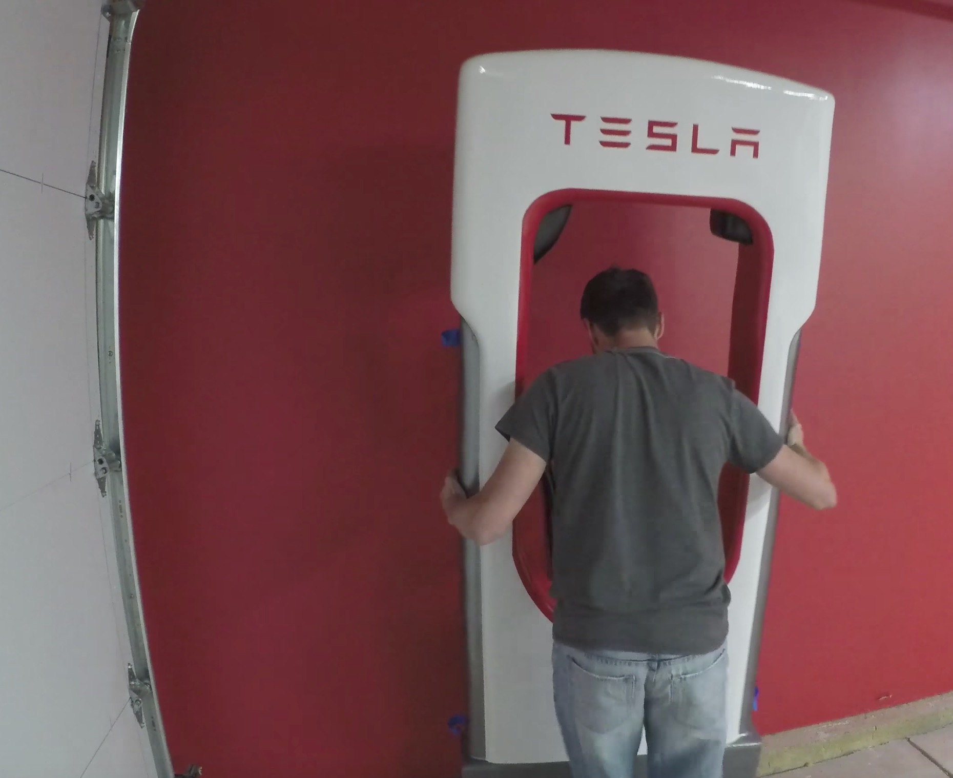 Tesla owner builds a working life-size Supercharger for his garage