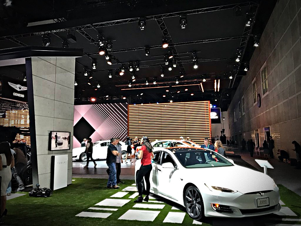 Tesla La Autoshow 2017 Home Display 4