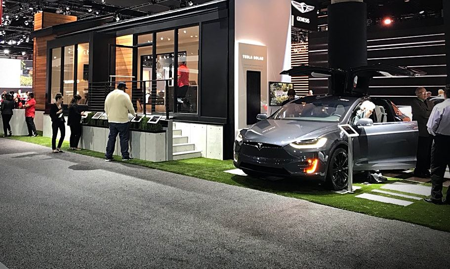 tesla-la-autoshow-2017-home-display