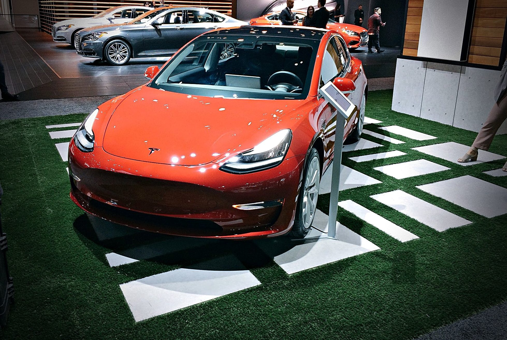 Tesla Showcases Model In Rare LA Auto Show Appearance As Exhibitor - San diego convention center car show