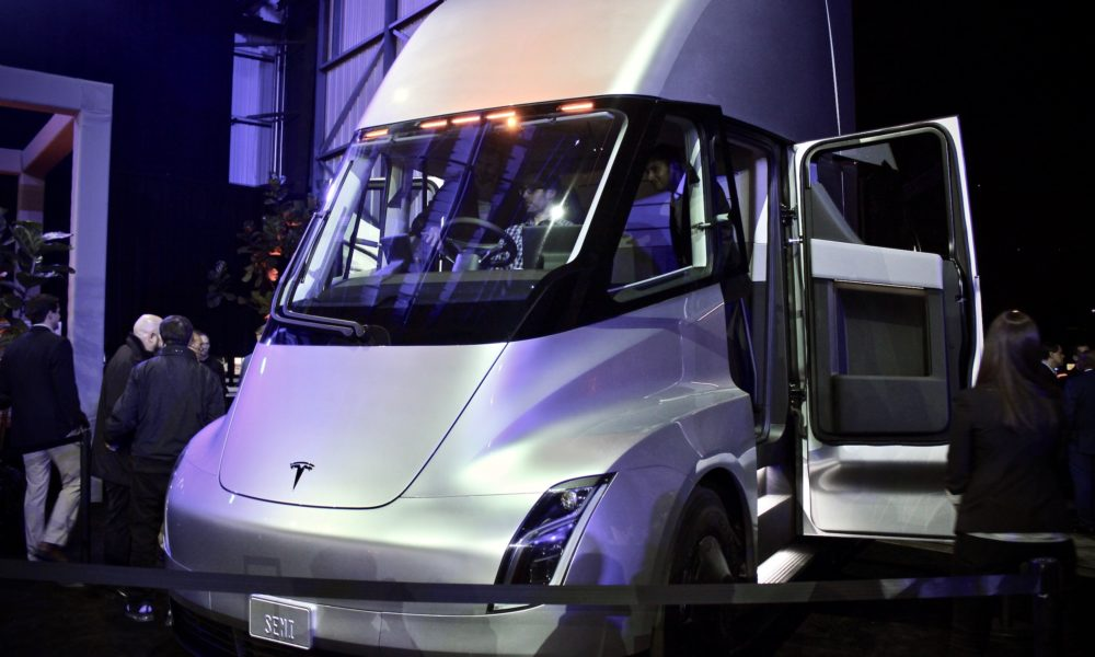 Tesla Semi Has A Base Price Of 150k Limited Founders