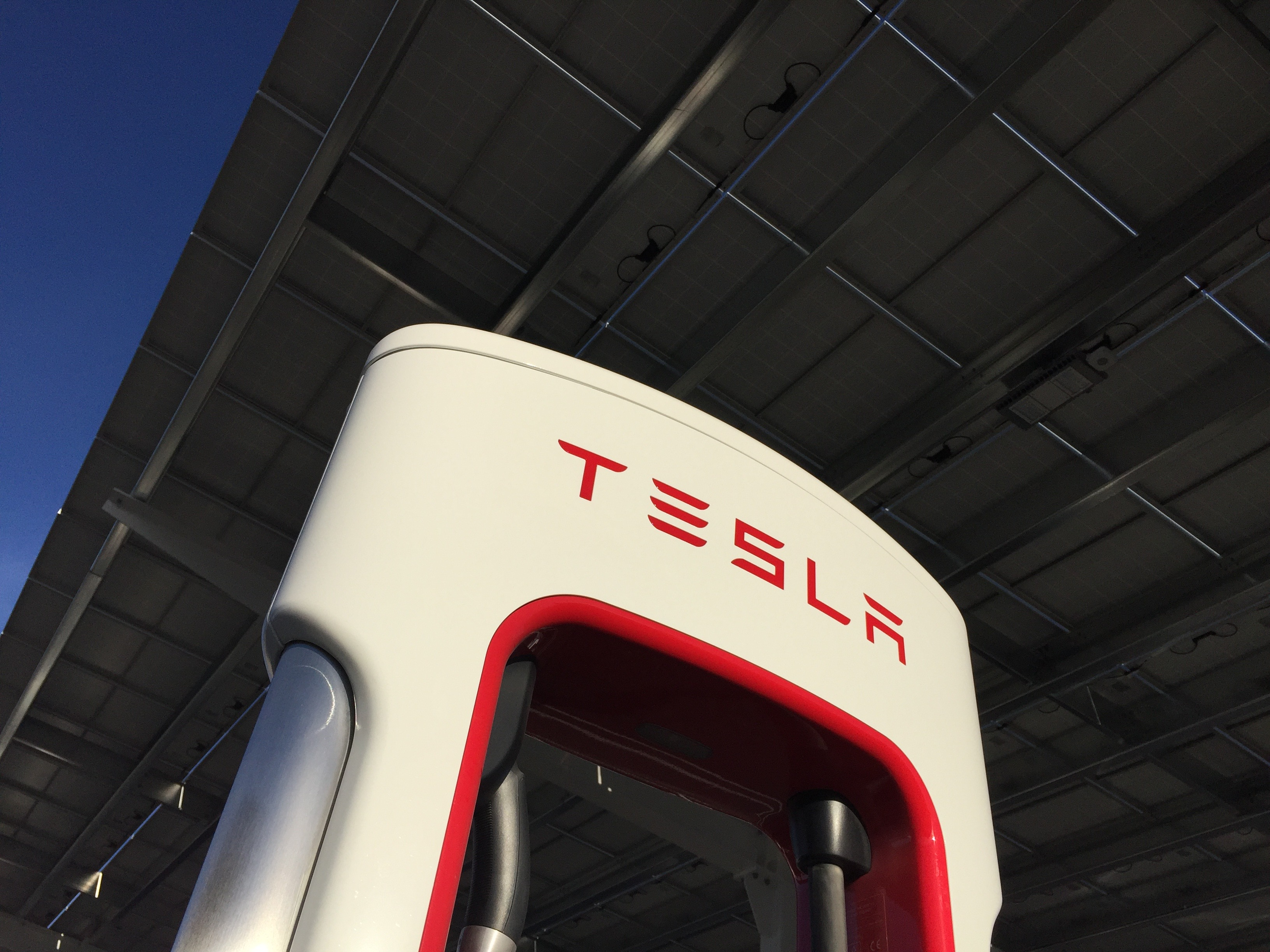 tesla-supercharger-baker-ca-solar-canopy-tiles