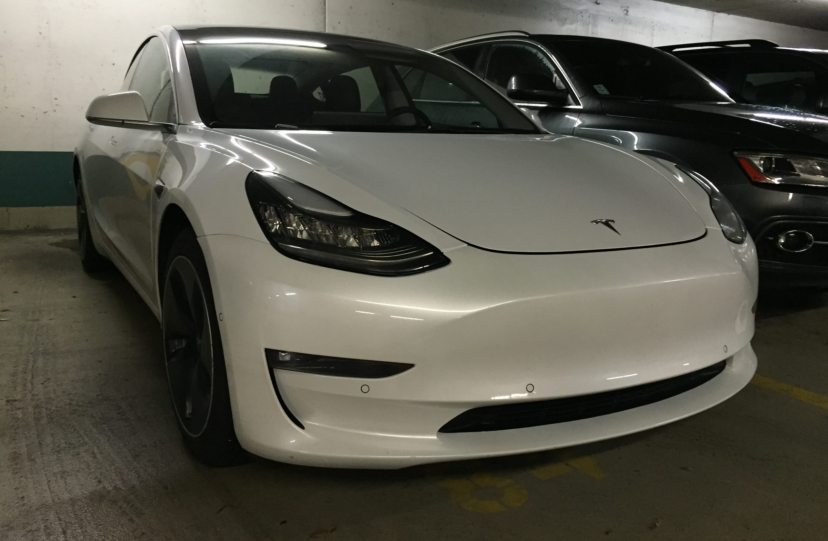 white-tesla-model-3-rc-87-vancouver-2