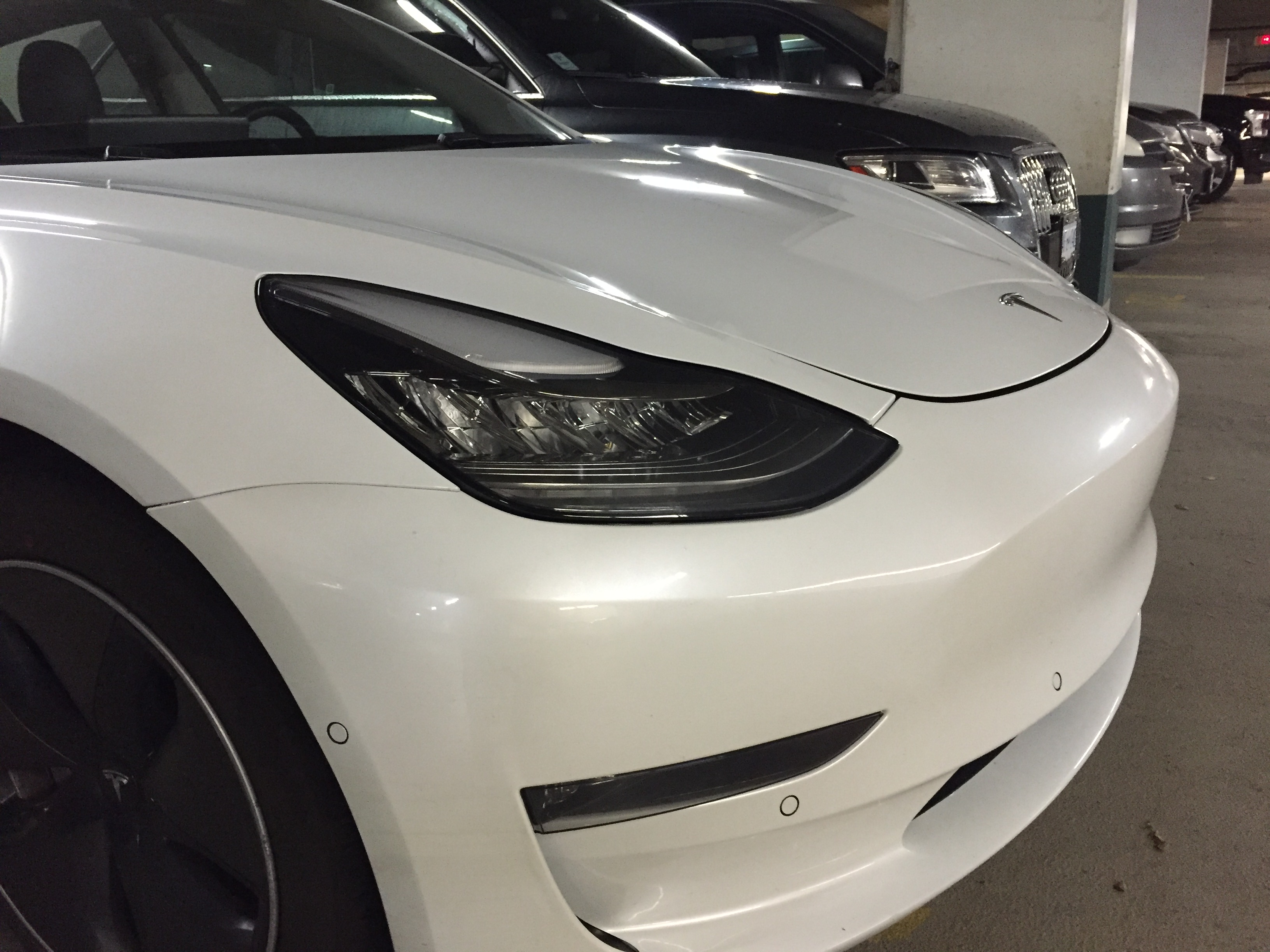 white-tesla-model-3-rc-87-vancouver-3