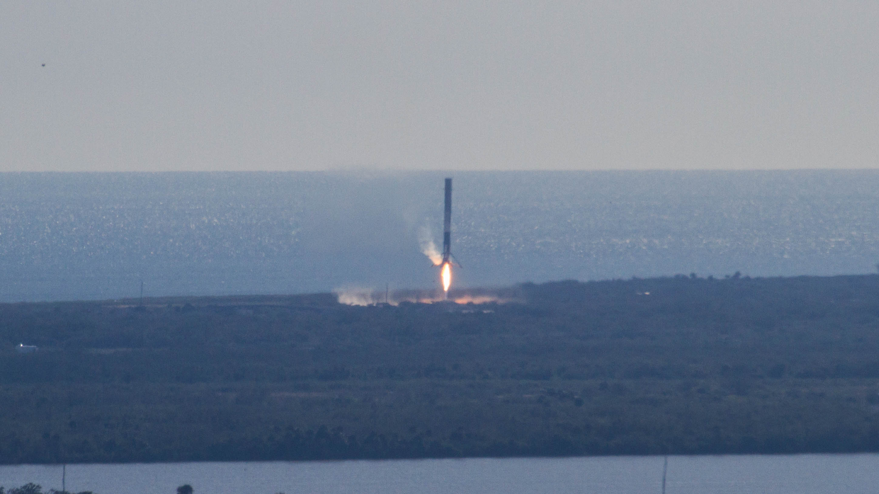 CRS13 landing (SpaceX) (6)