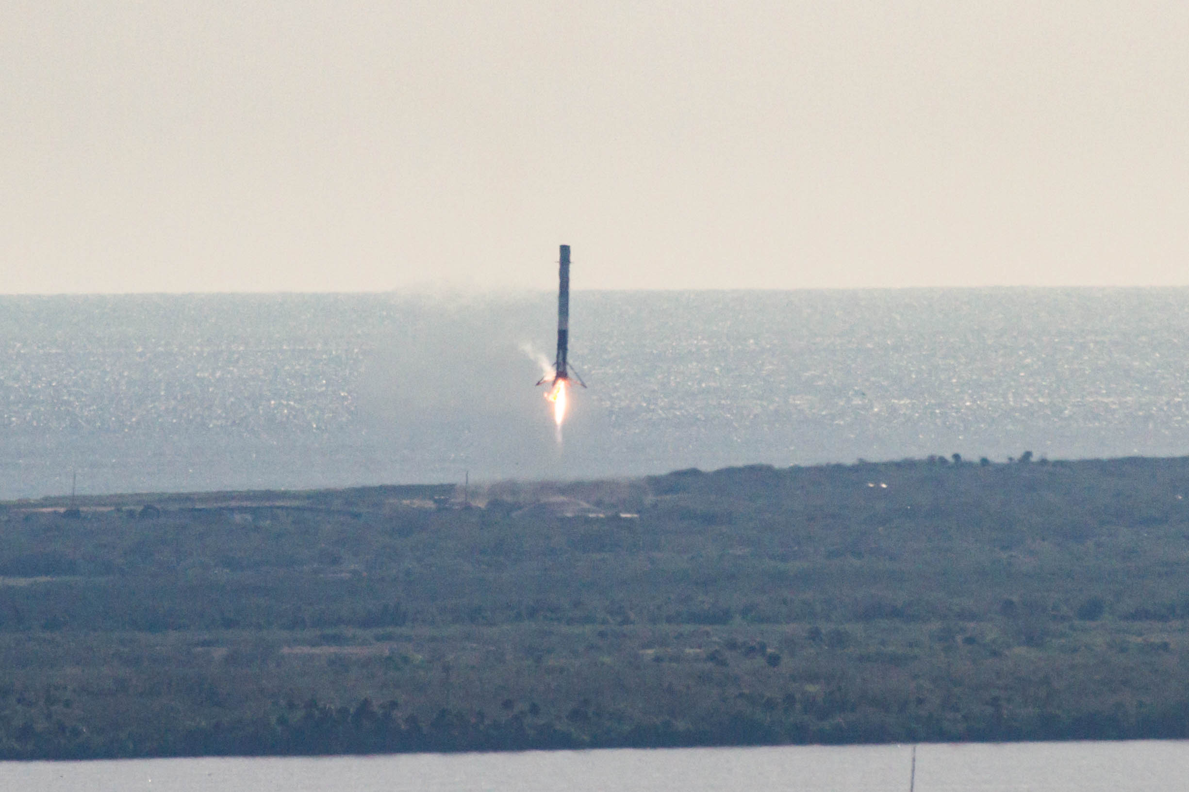 CRS13 landing (SpaceX) (7)
