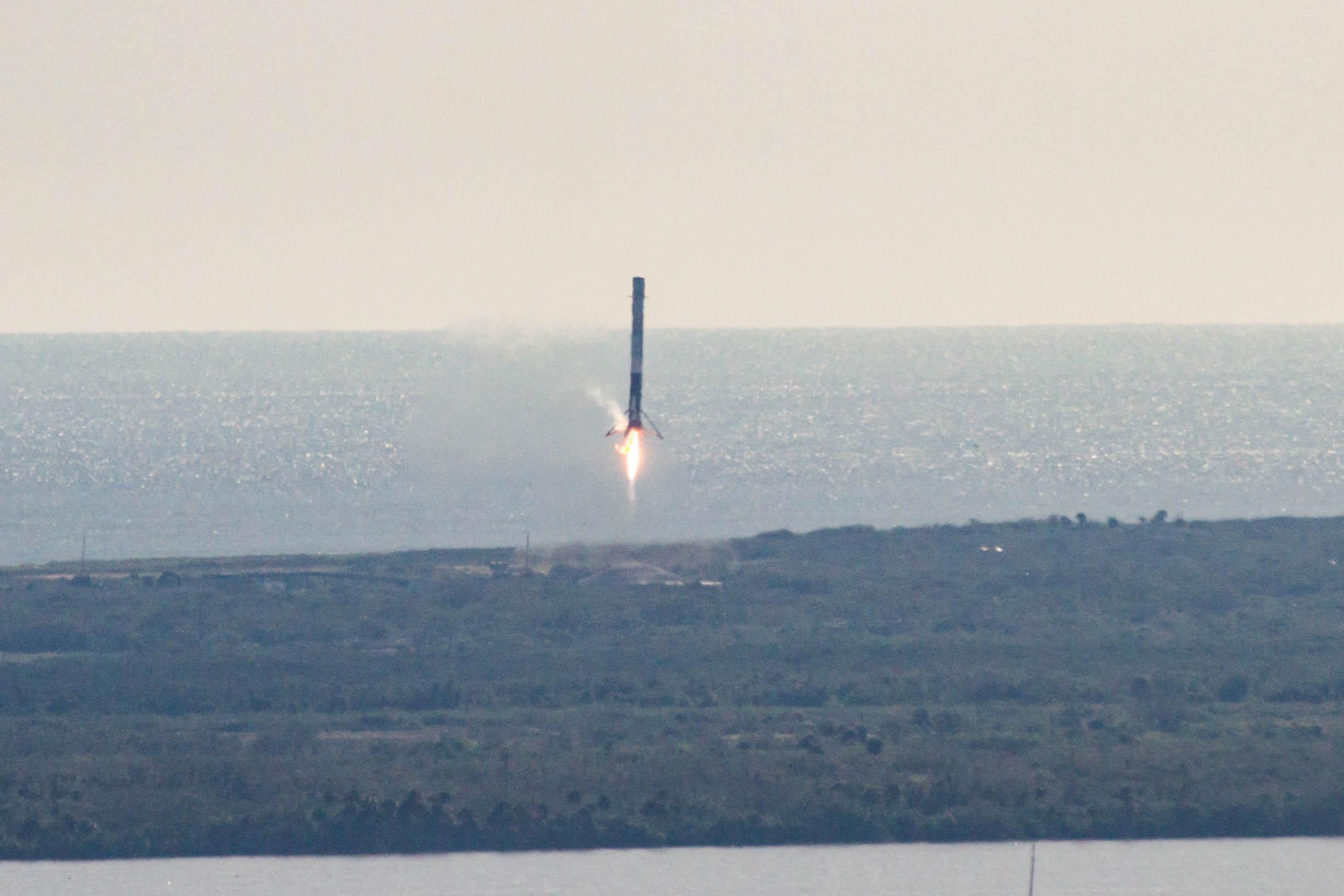 CRS13 landing (SpaceX) (7)
