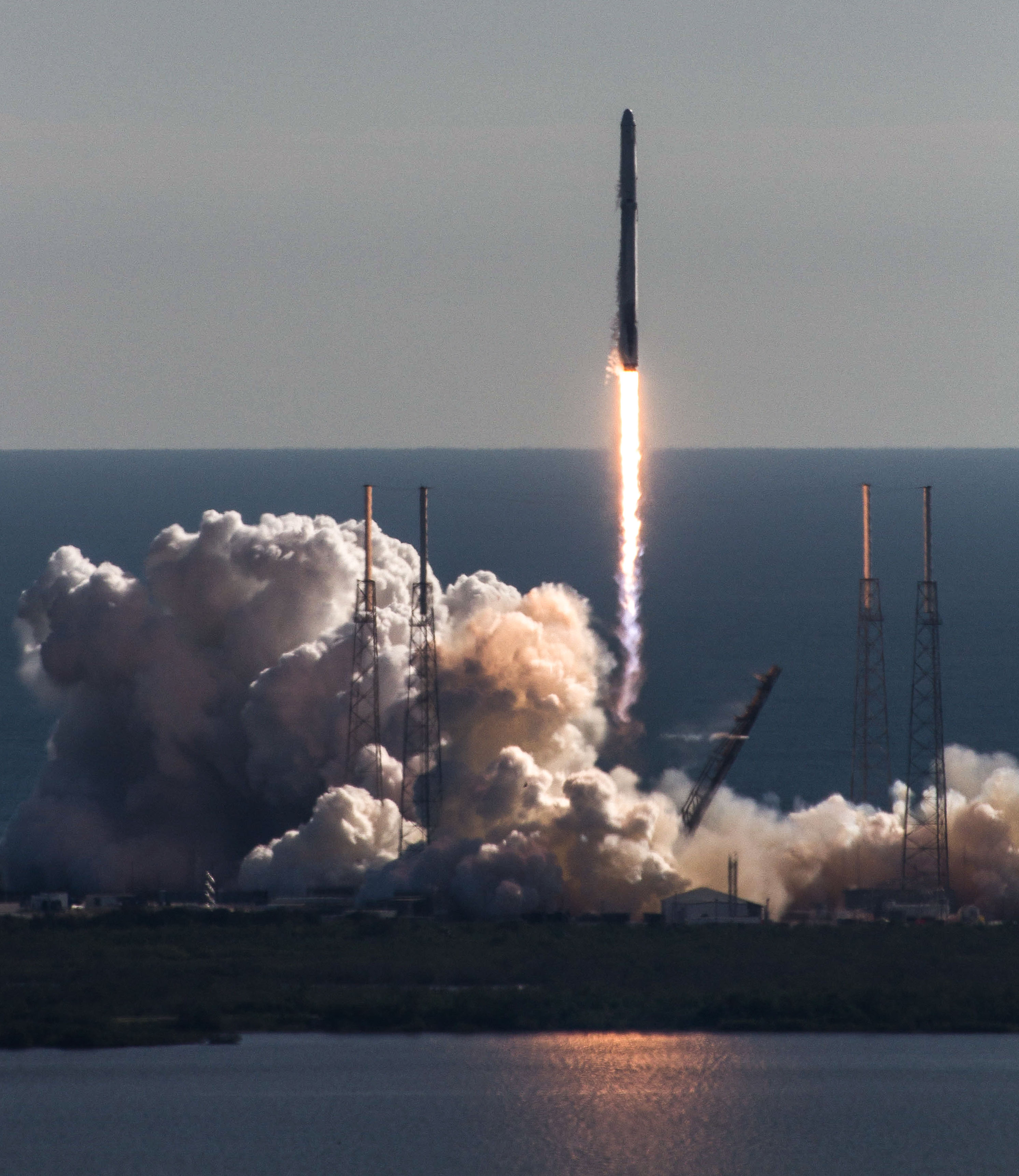CRS13 launch 2 (SpaceX).jpg