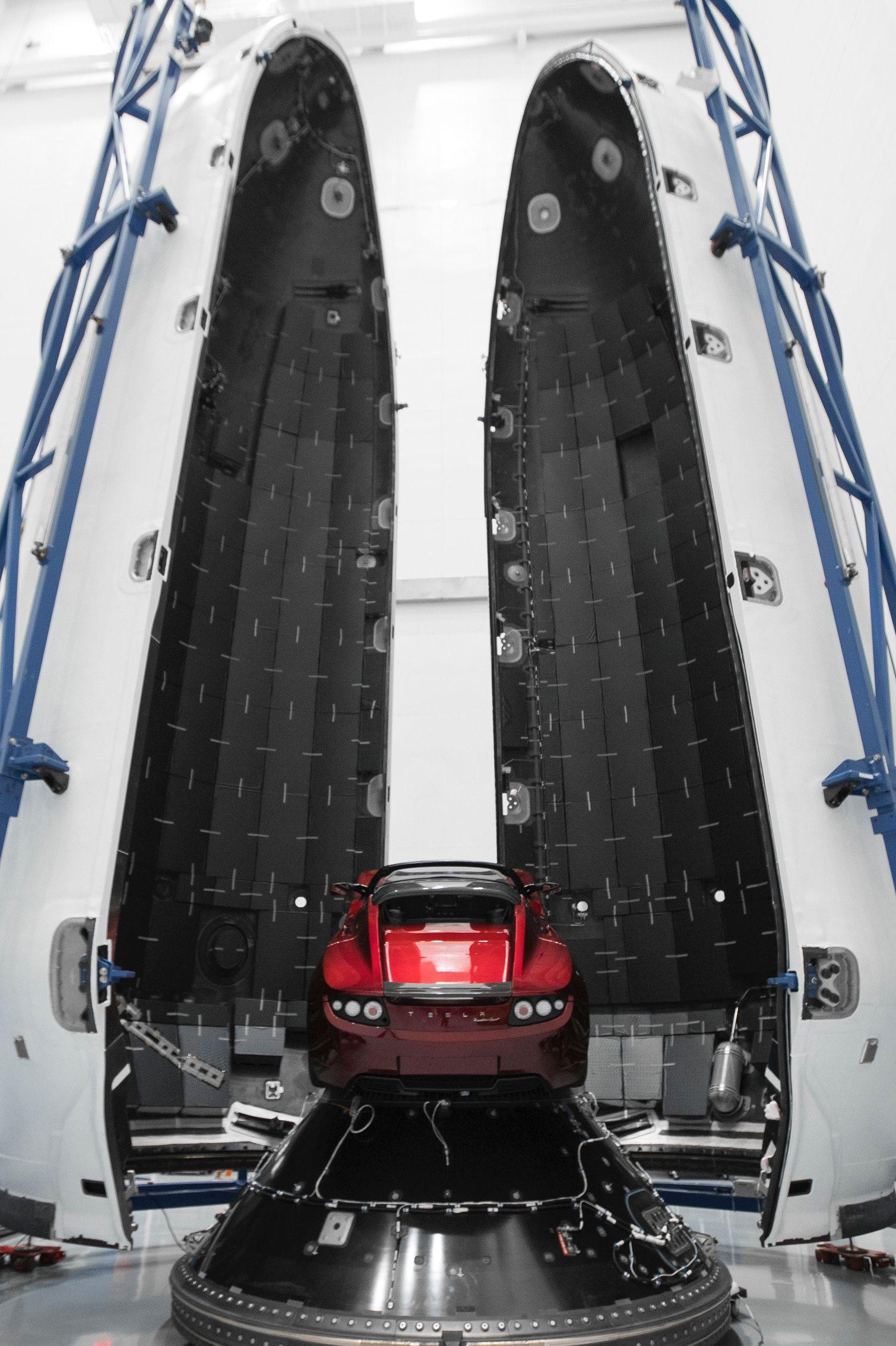 Roadster – Falcon Heavy -full (Elon Musk)jpg (6)