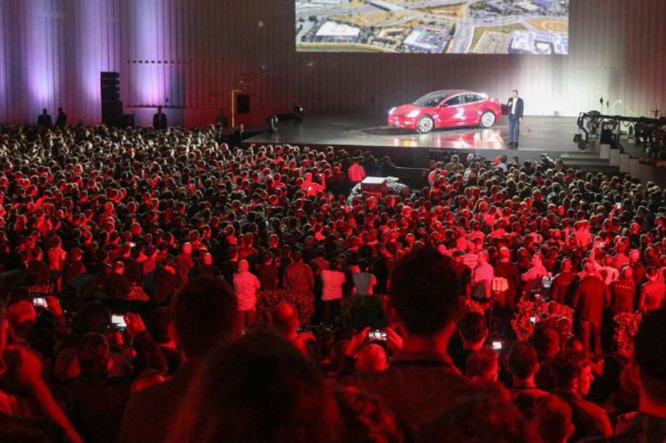 tesla-factory-workers-model-3-fremont-event