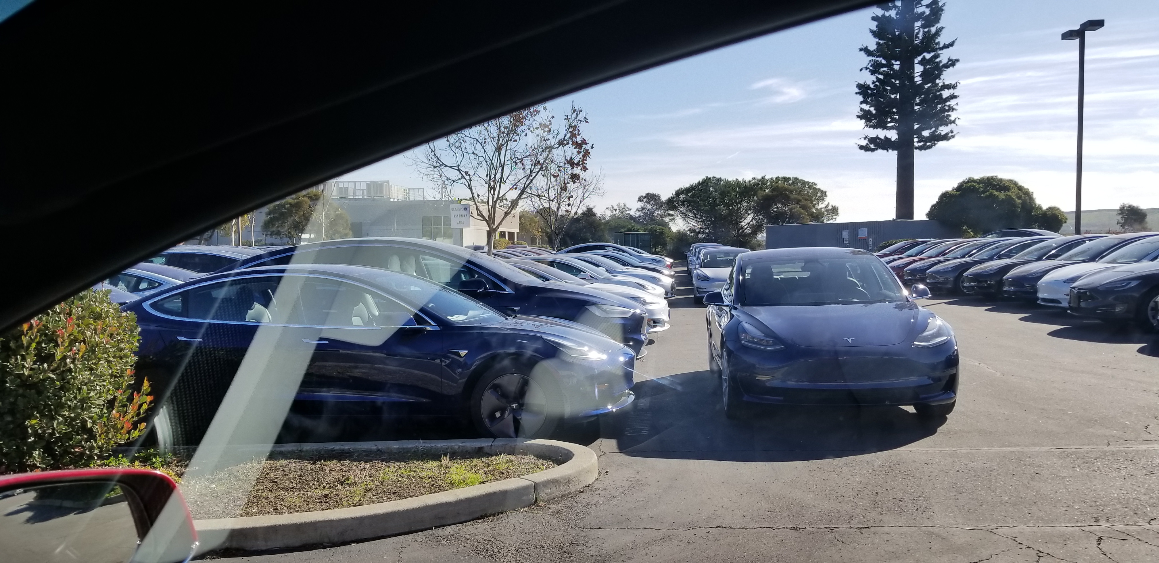 tesla-model-3-fremont-delivery-center-dec10-2