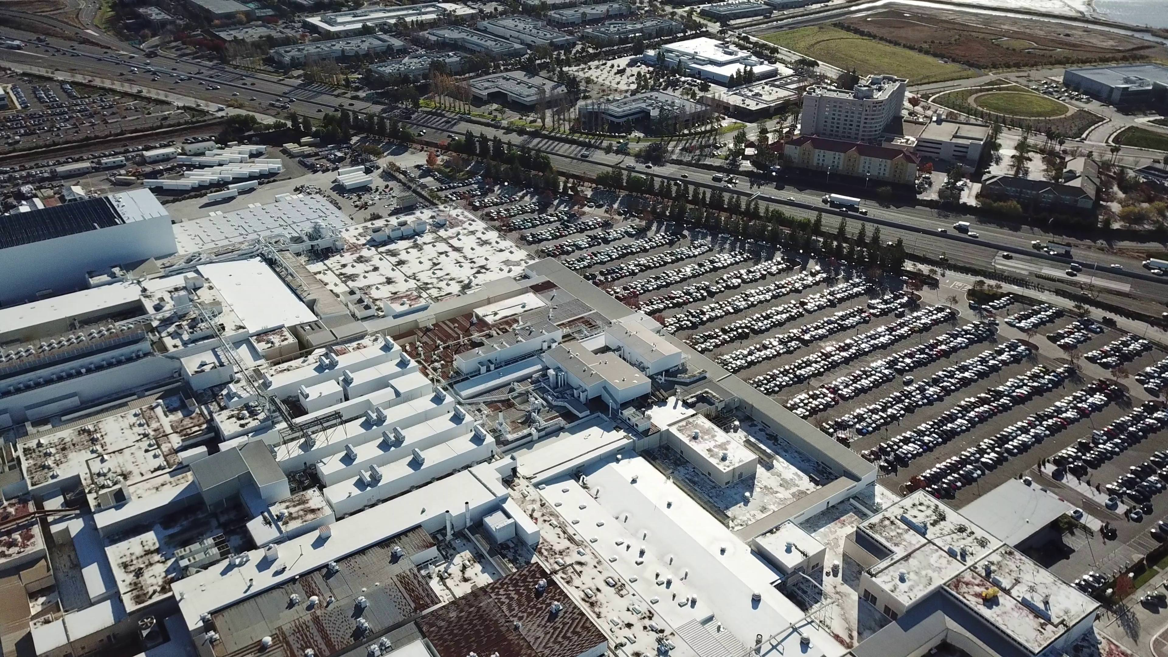 tesla-model-3-inventory-fremont-factory-drone-aerial-3
