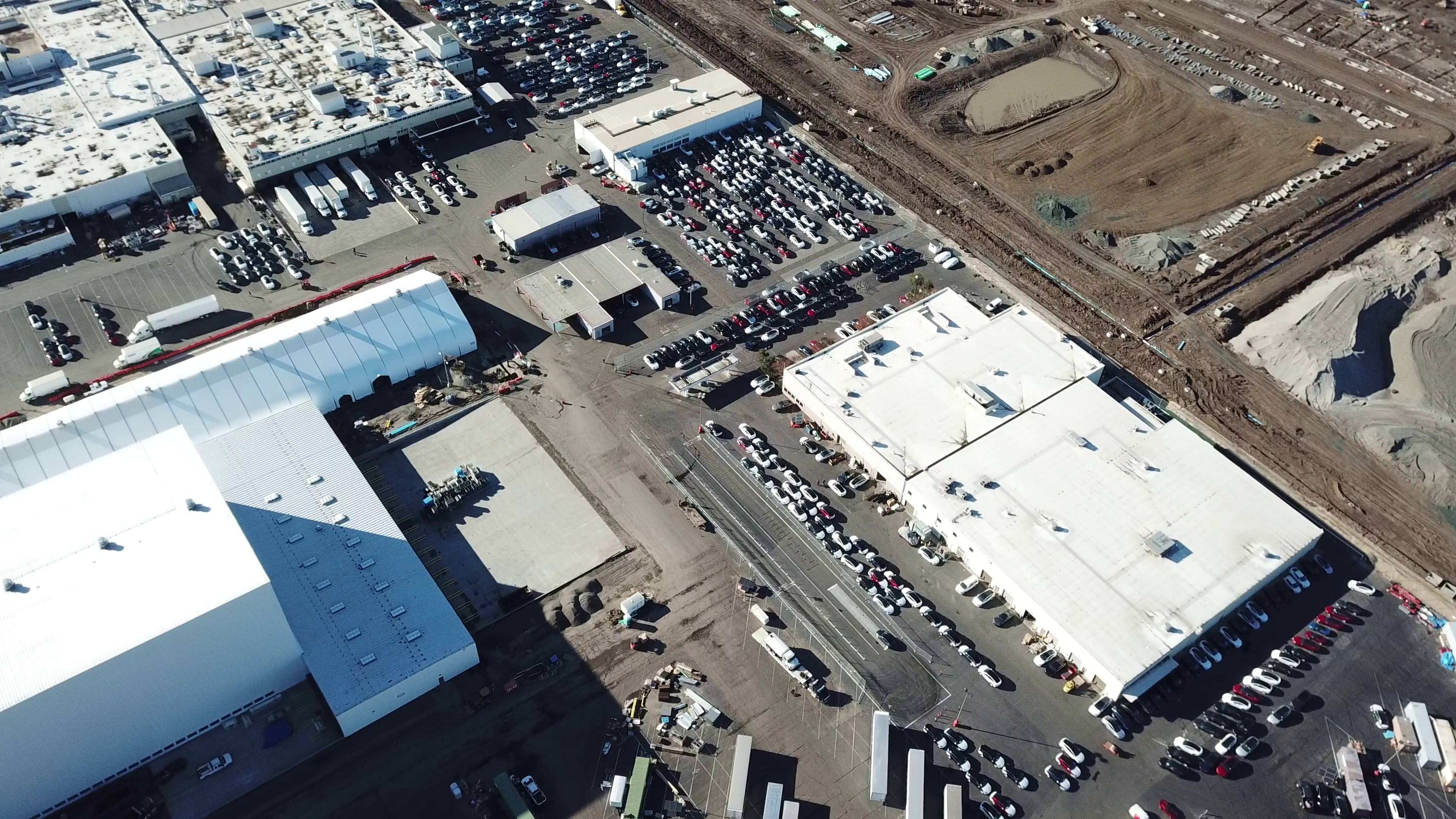 tesla-model-3-inventory-fremont-factory-drone-aerial-5
