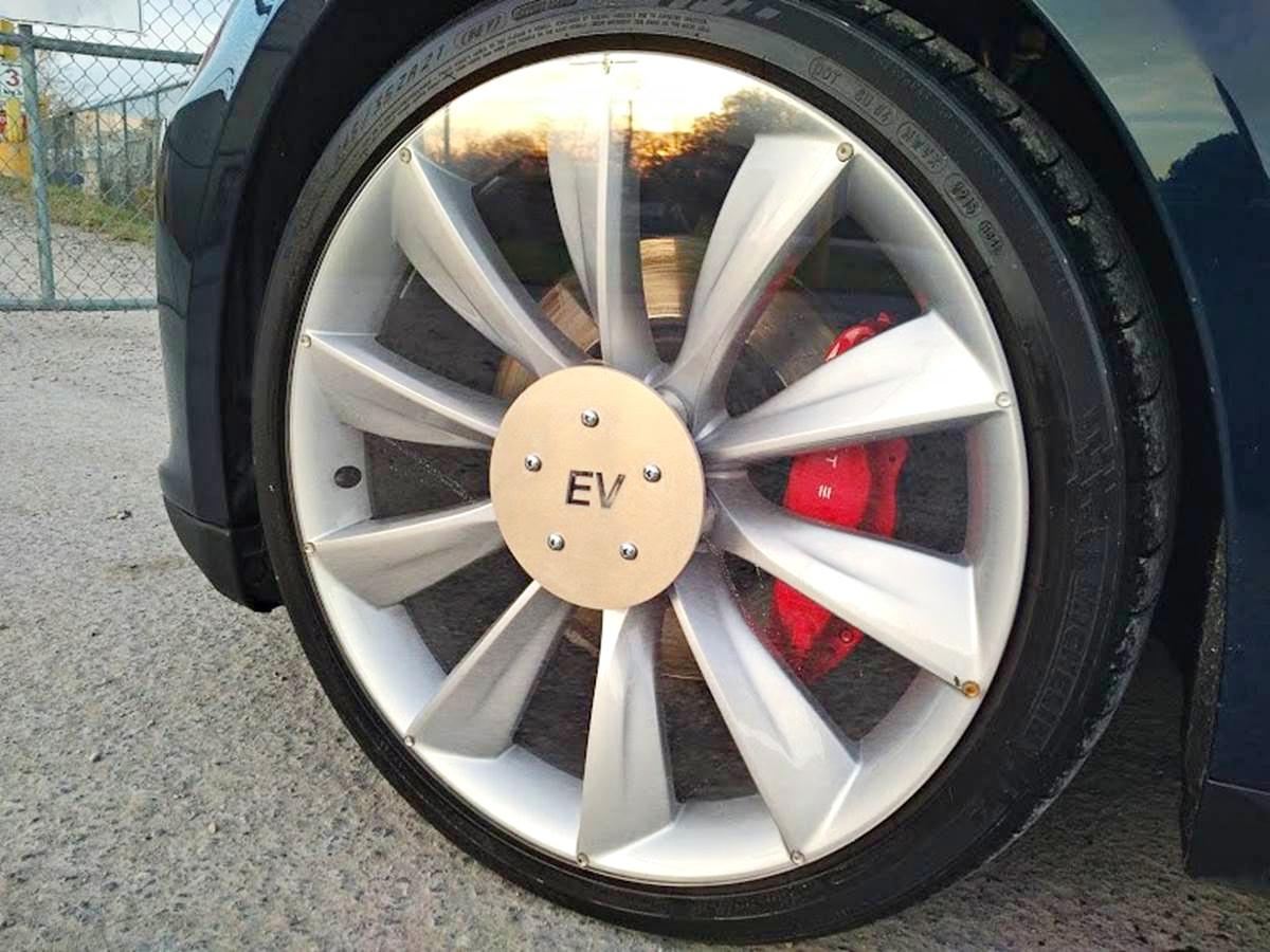 tesla-model-s-clear-aero-wheels