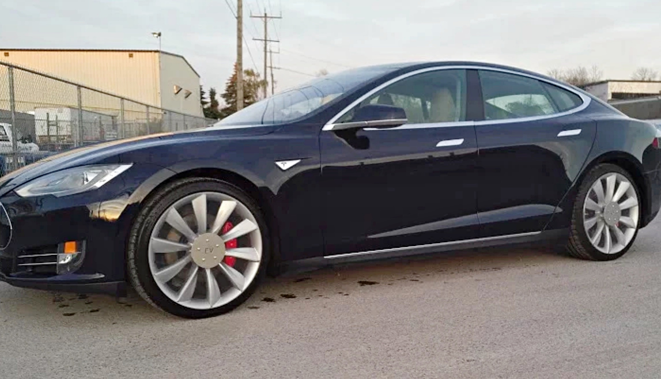 tesla-model-s-clear-diy-aero-wheels