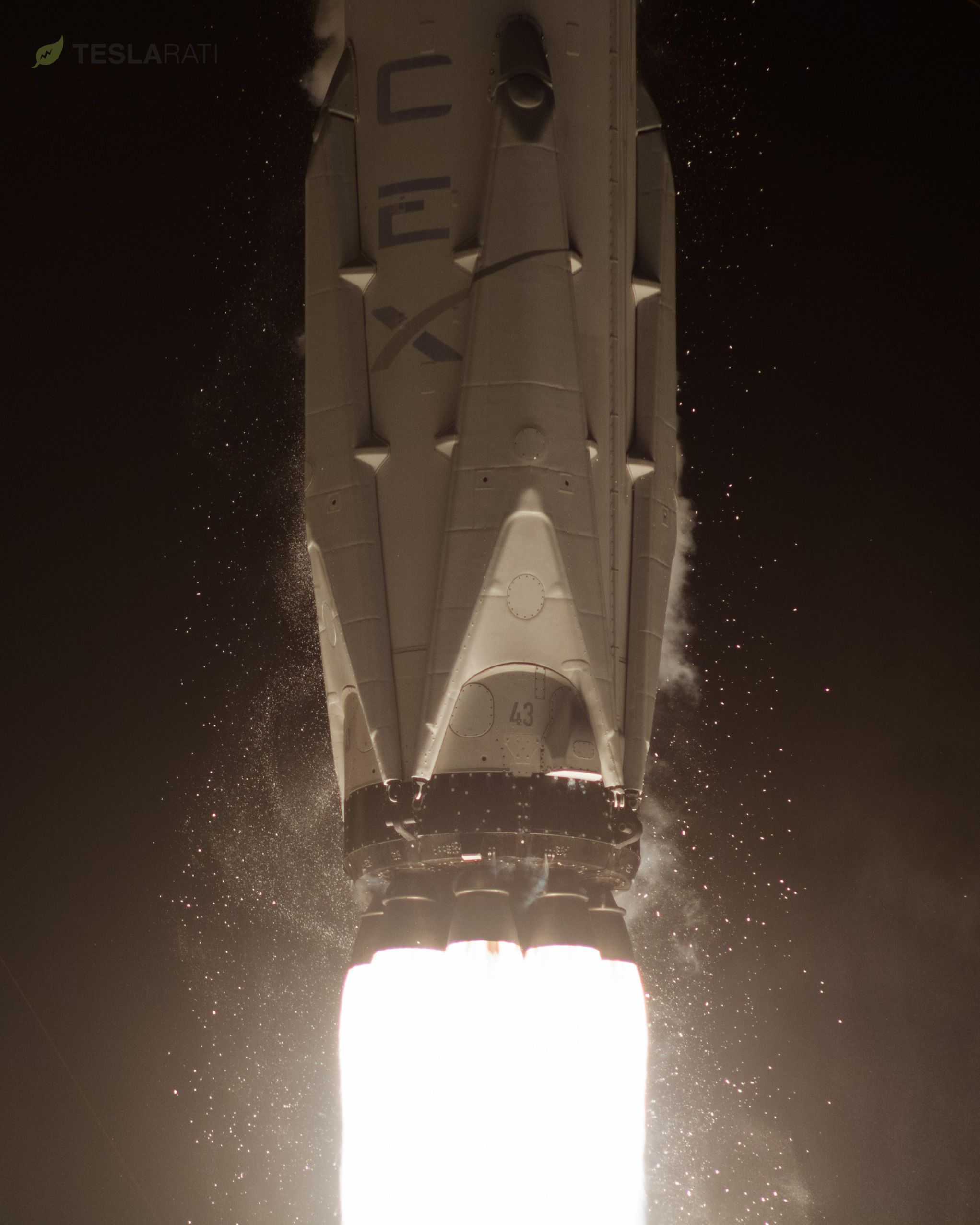 1043 liftoff (Tom Cross)