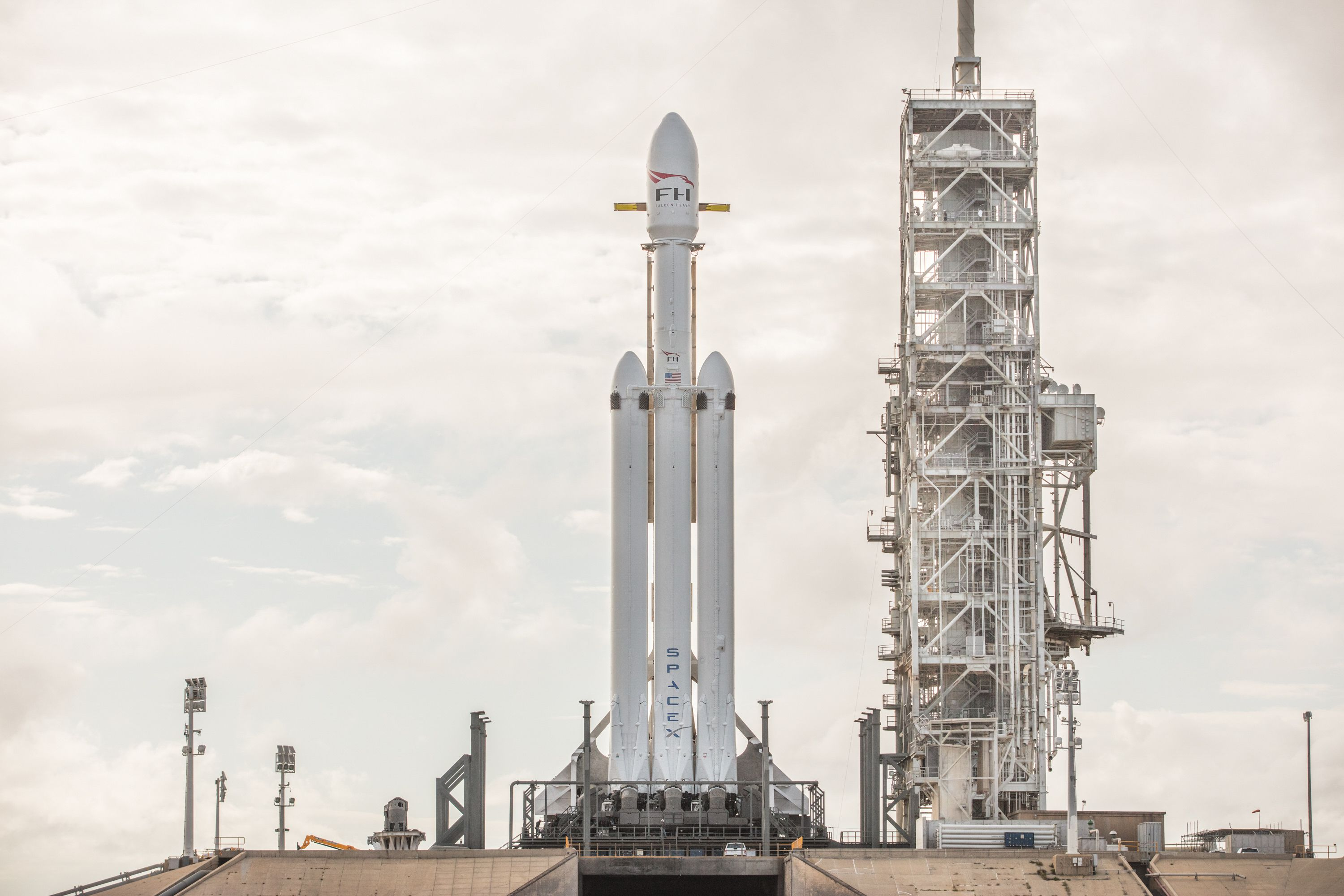 Falcon Heavy 39A (SpaceX) (1)