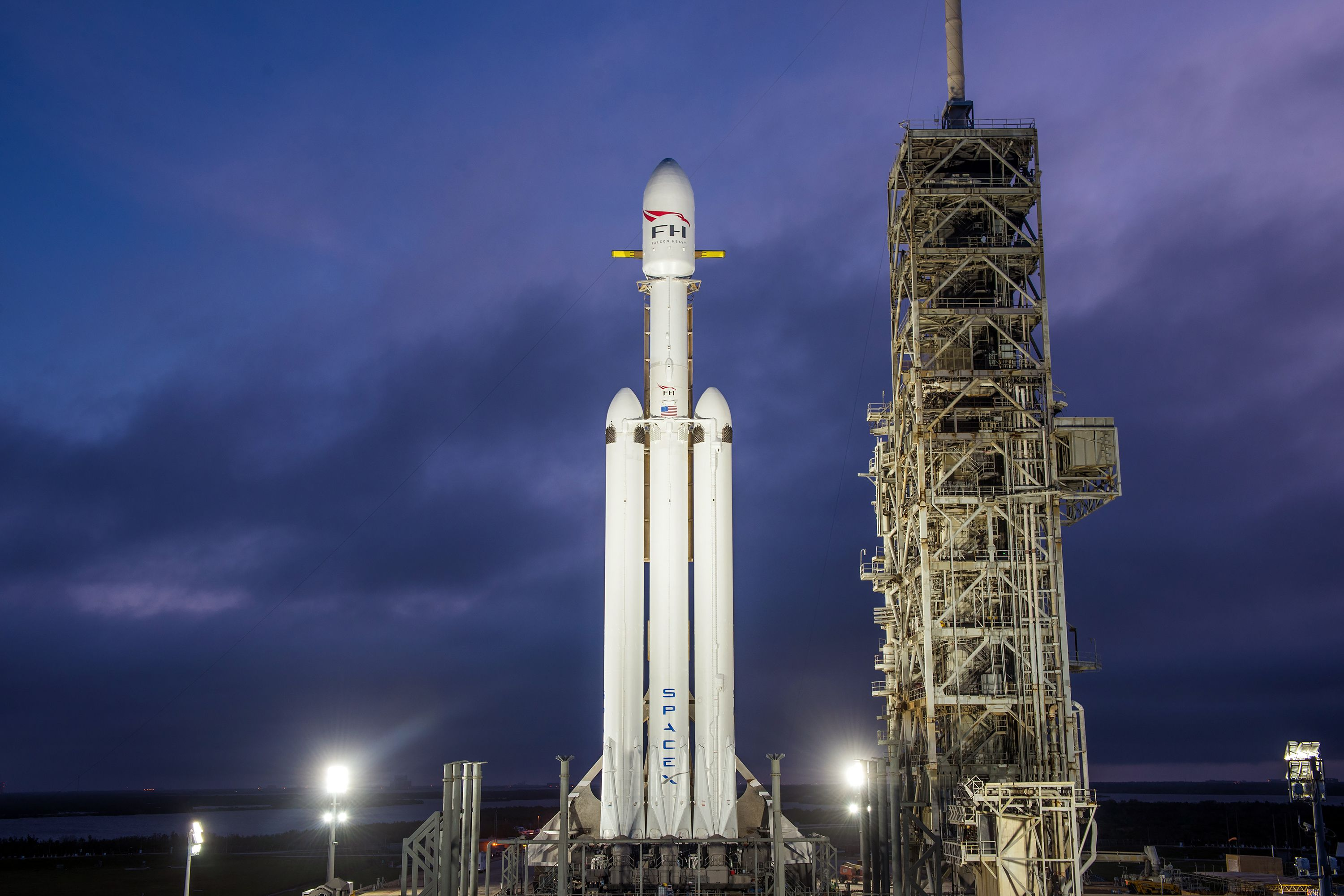 SpaceX Falcon Heavy testing delayed after government shutdown