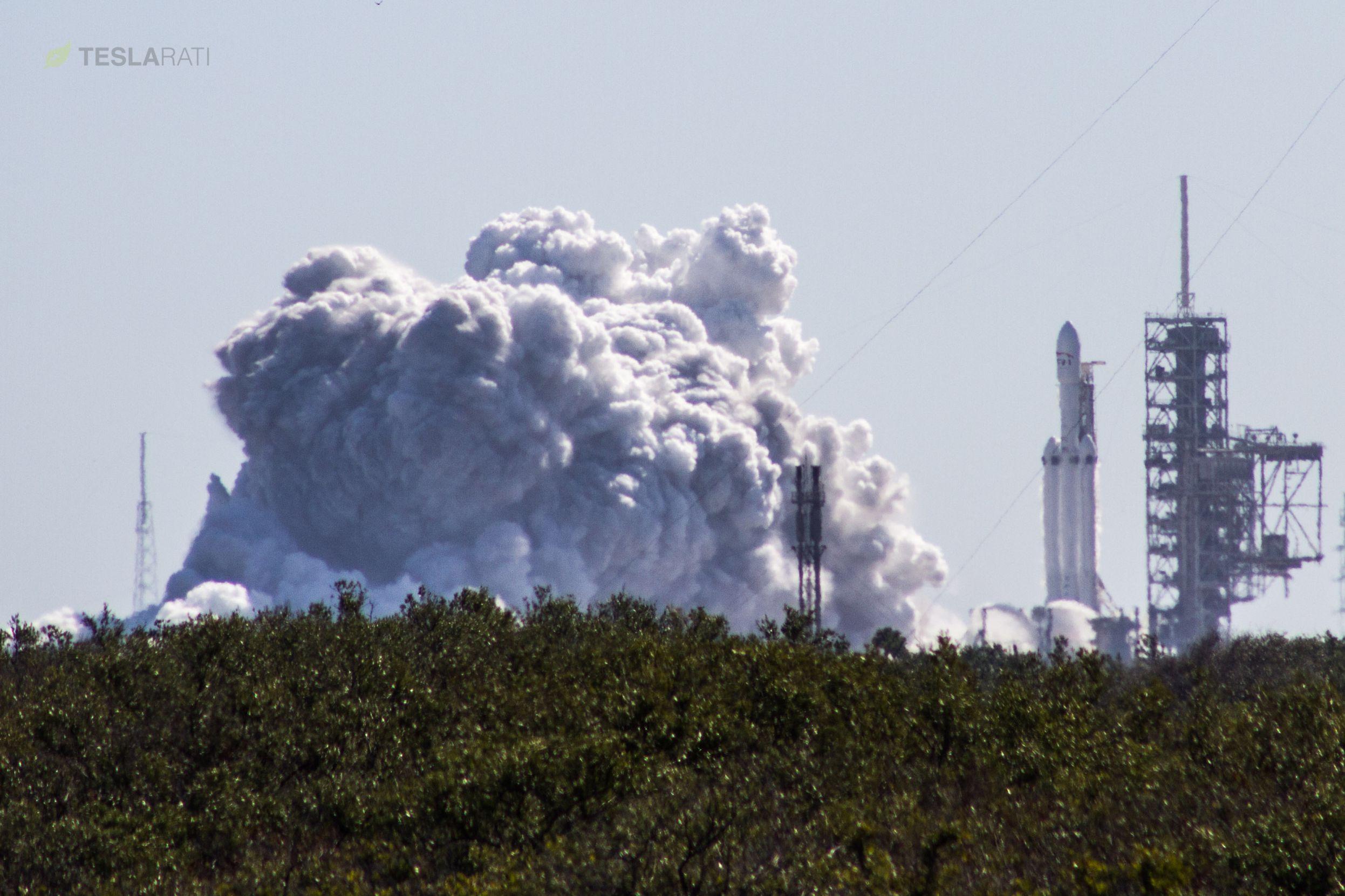 Falcon Heavy static fire 2 (Tom Cross)