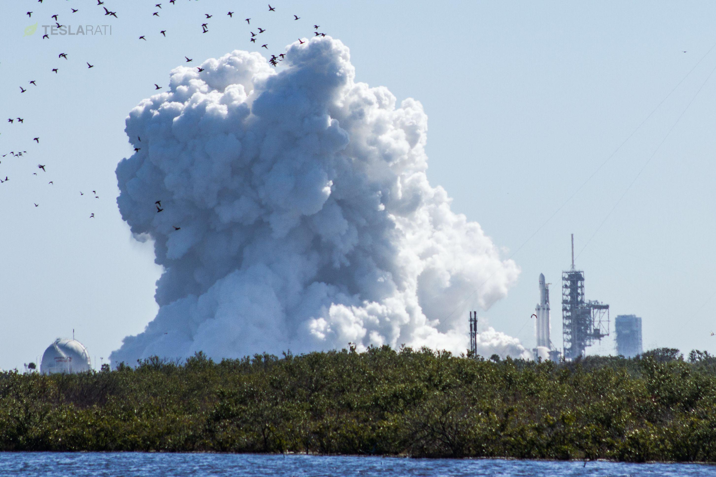 Falcon Heavy static fire (Tom Cross)