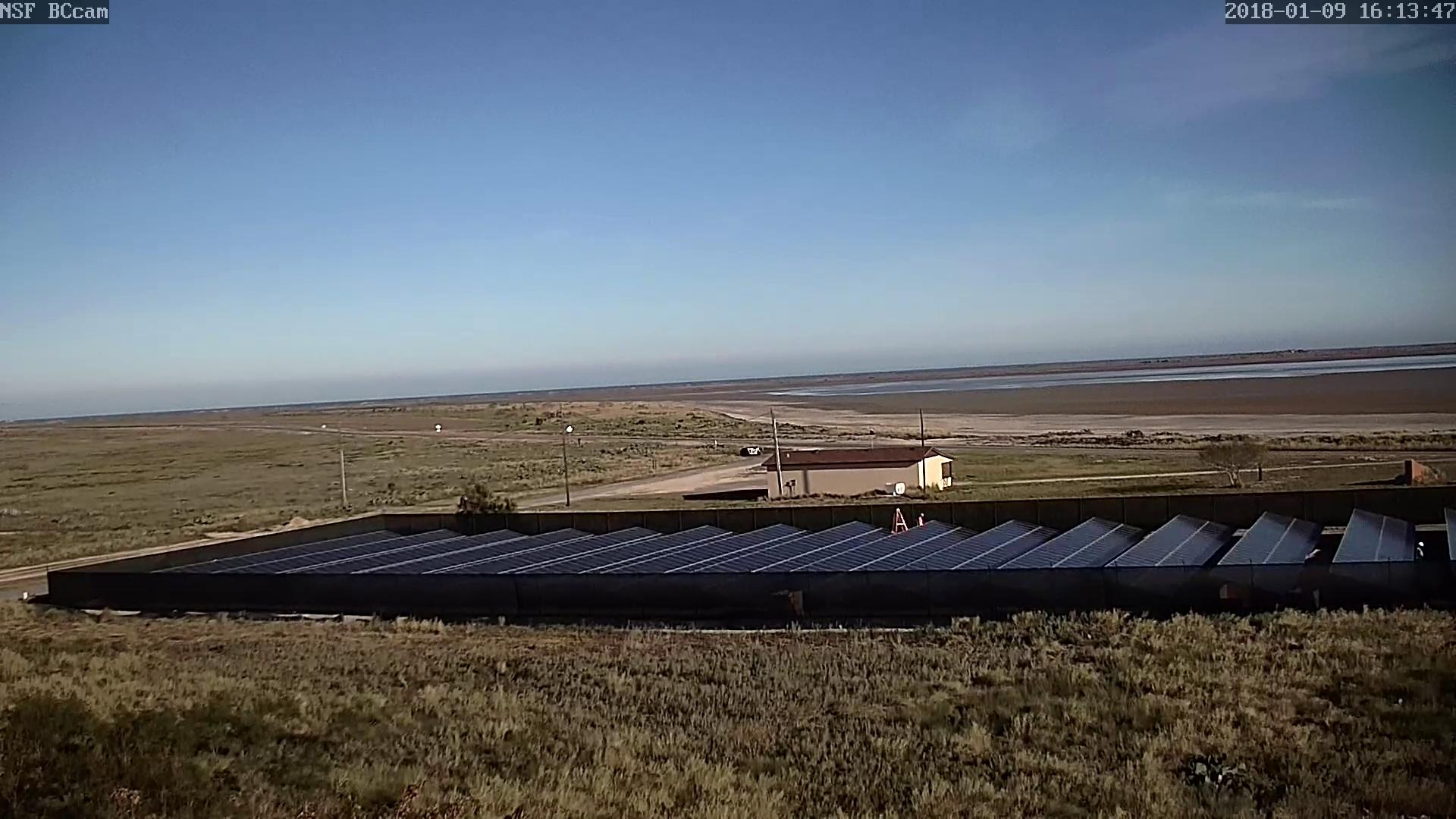 SpaceX TX solar install (Nommadcam)