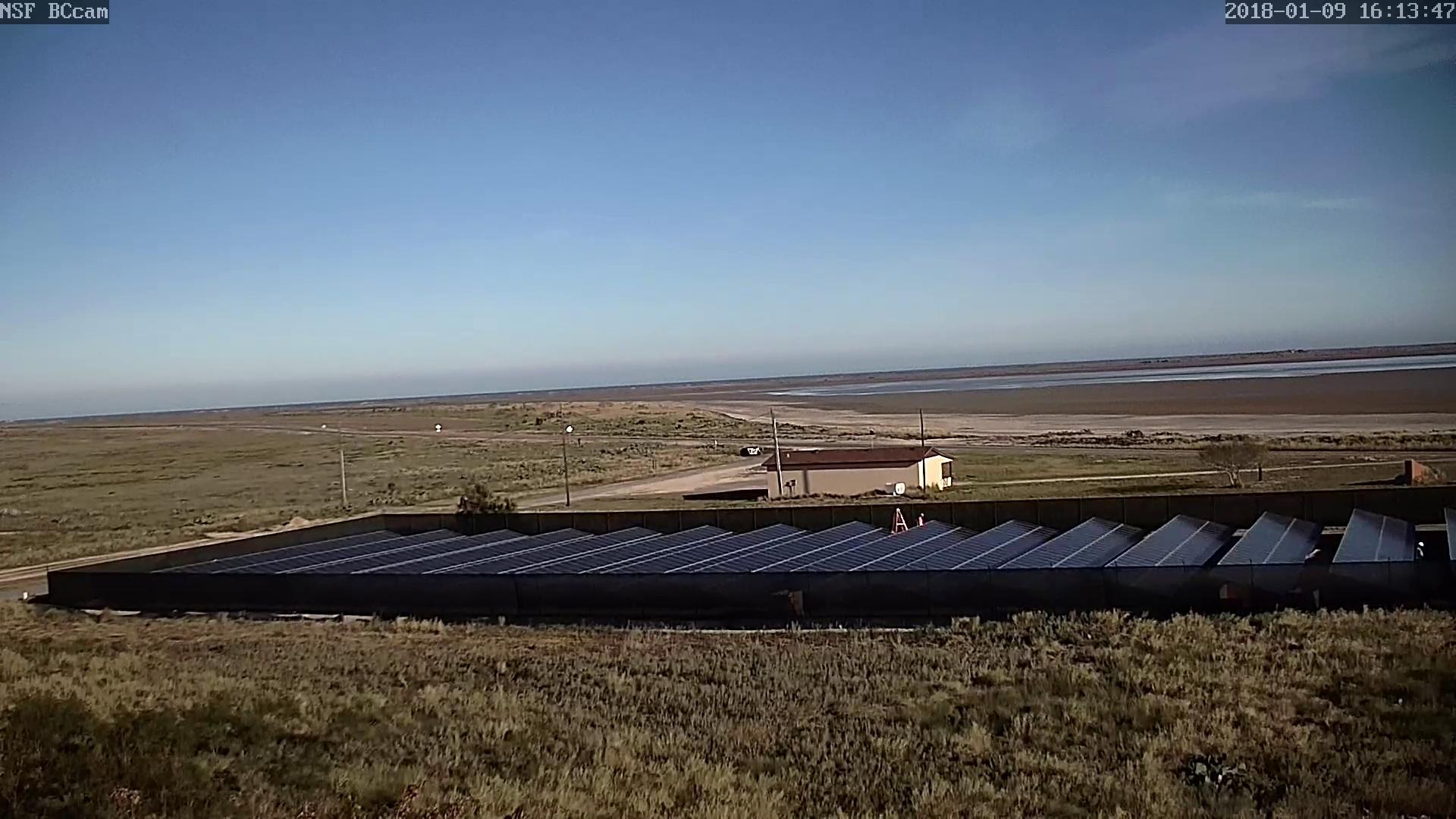 SpaceX-TX-solar-install-Nommadcam.jpg