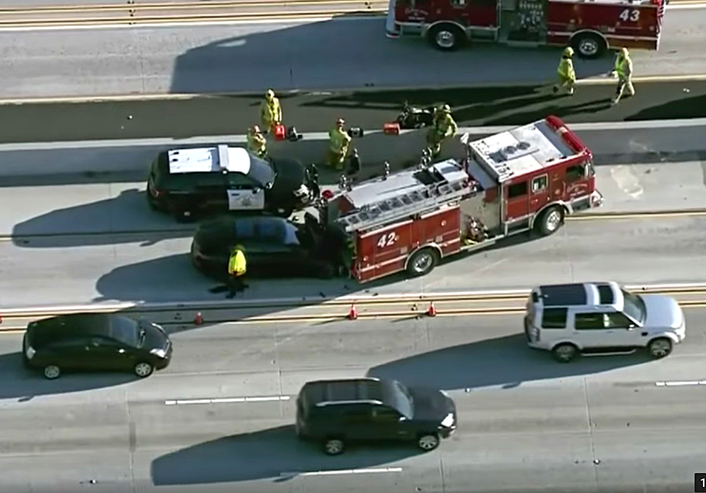 tesla-crash-fire-truck-405-los-angeles