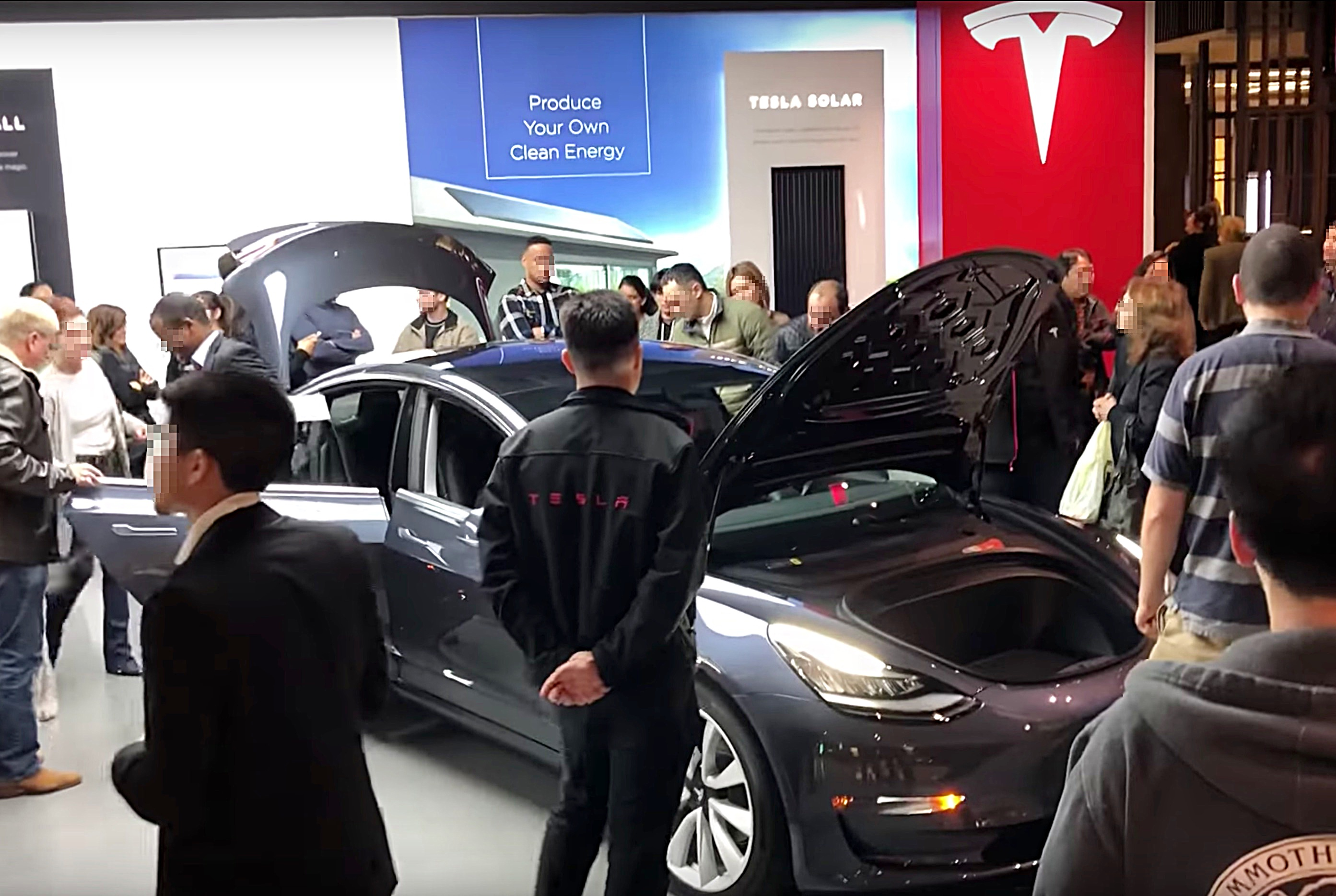 Tesla brings Model 3 to more stores across the US for public showings