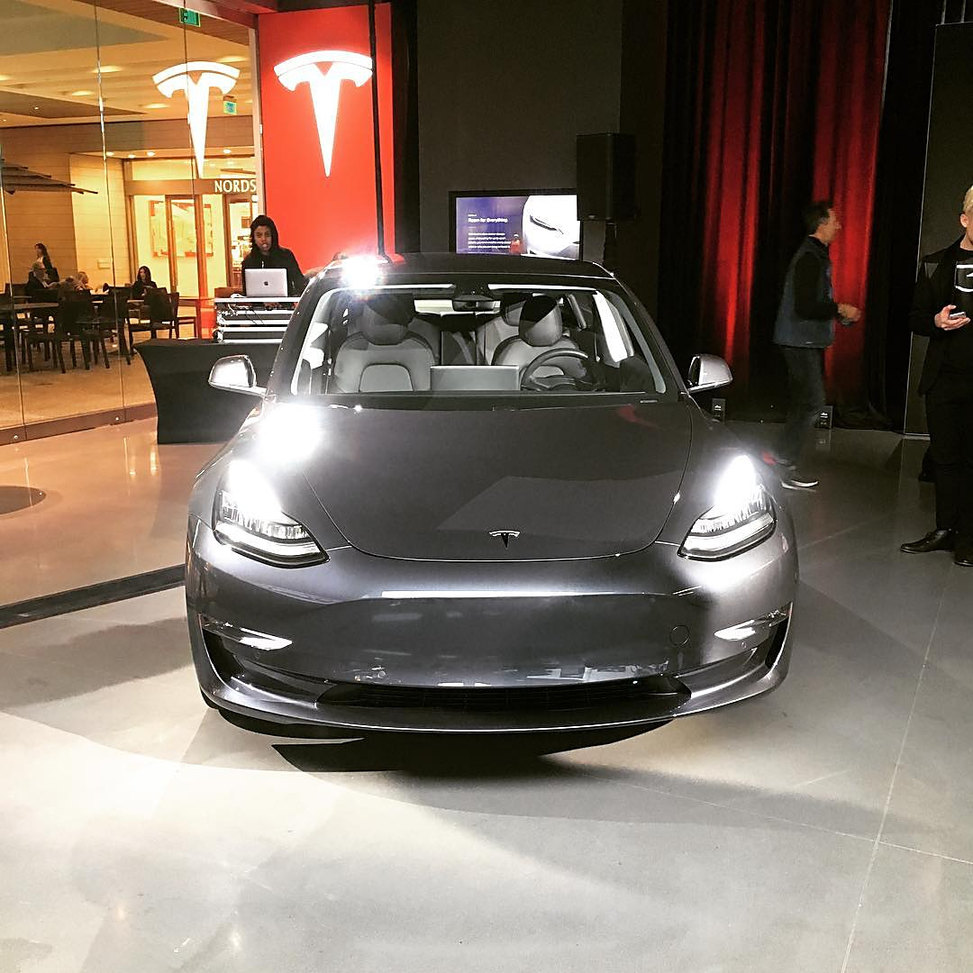 Tesla Model Makes Its Way To Showrooms In LA And SF Bay Area For - Car show sf bay area