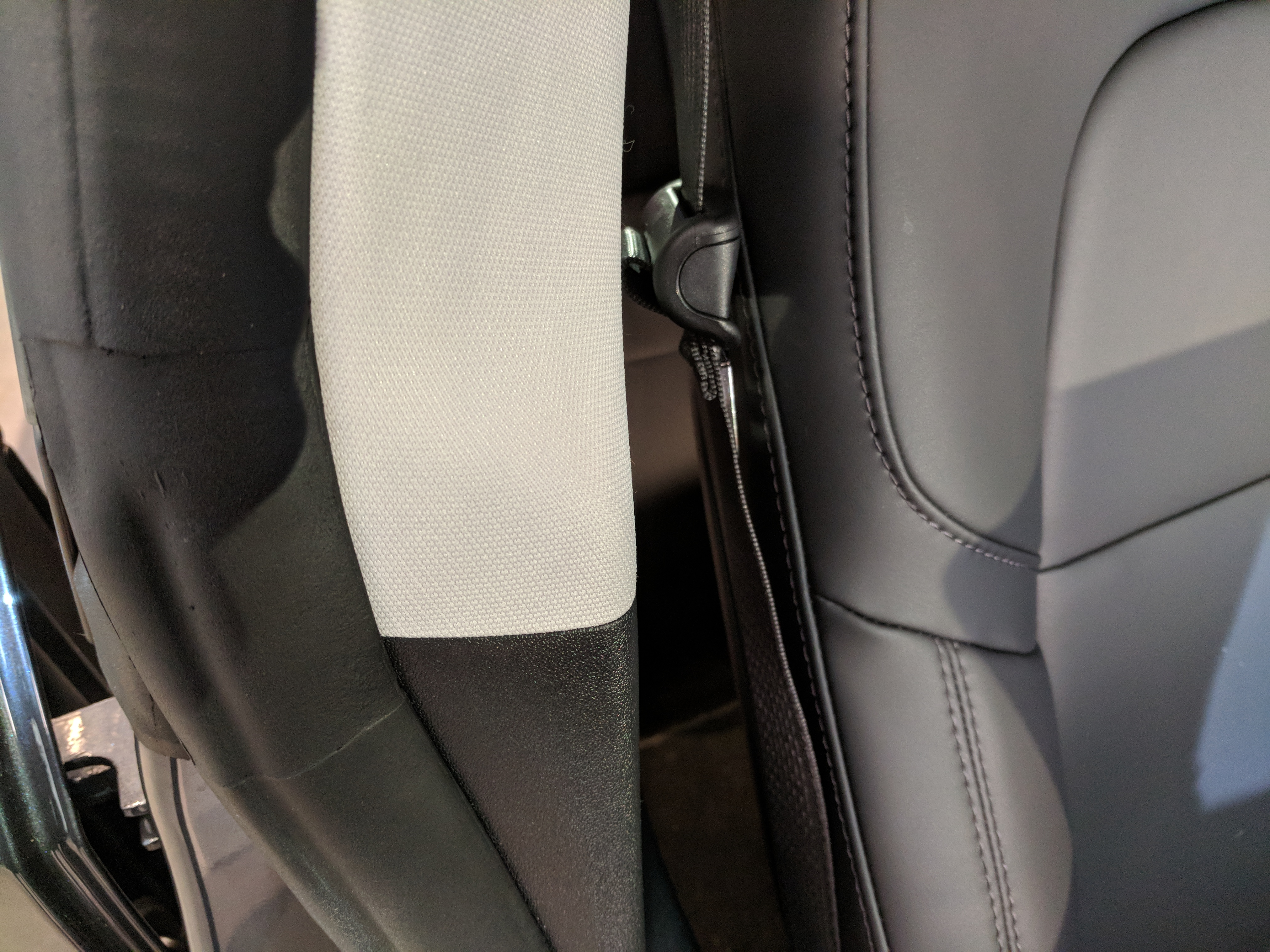tesla-model-3-textile-interior-pillar-2