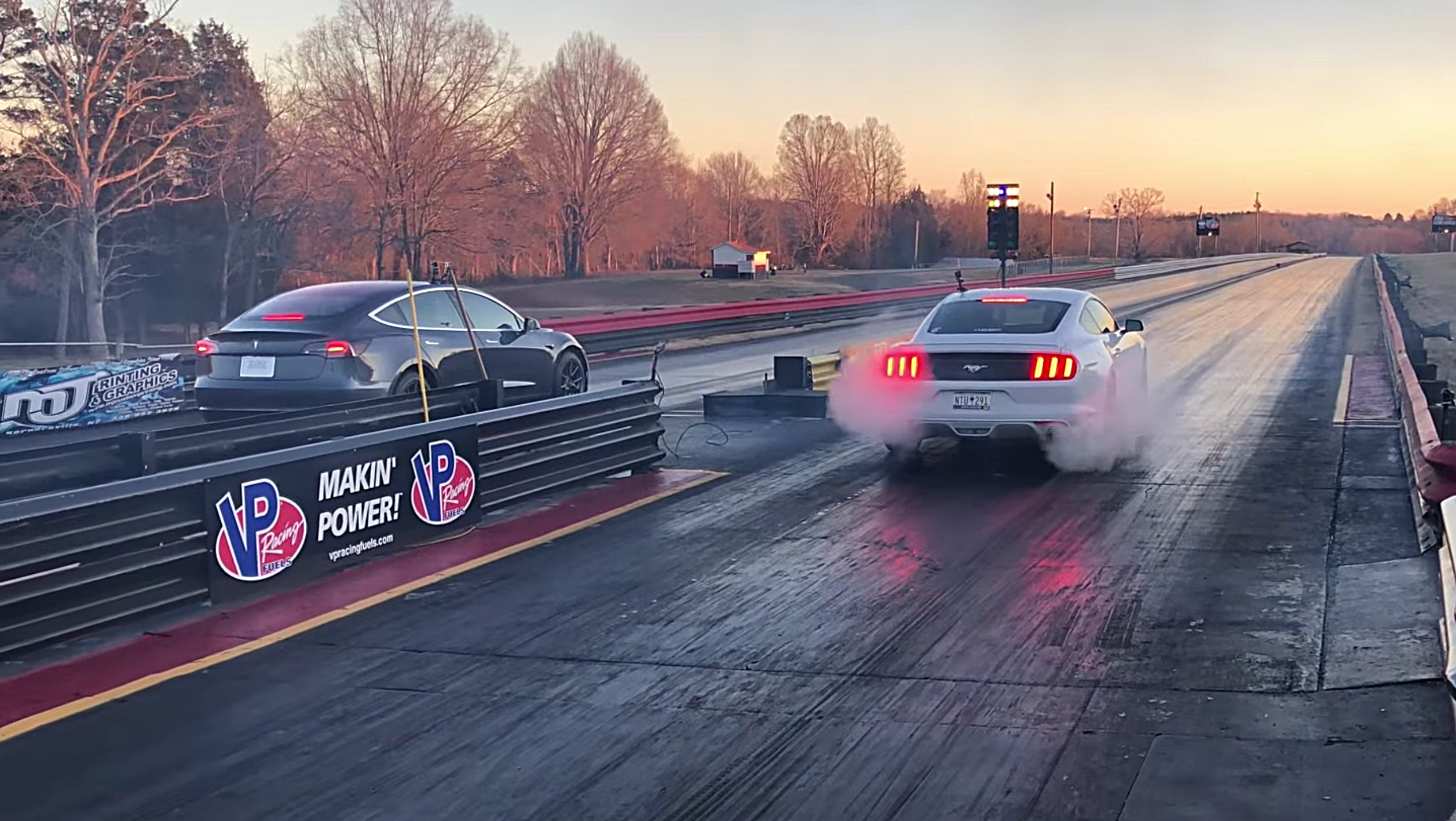 Tesla Model 3 with 65% battery outruns Mustang on the drag strip