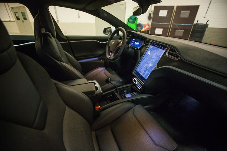 tesla model s luxumebourg police car interior 2. Black Bedroom Furniture Sets. Home Design Ideas