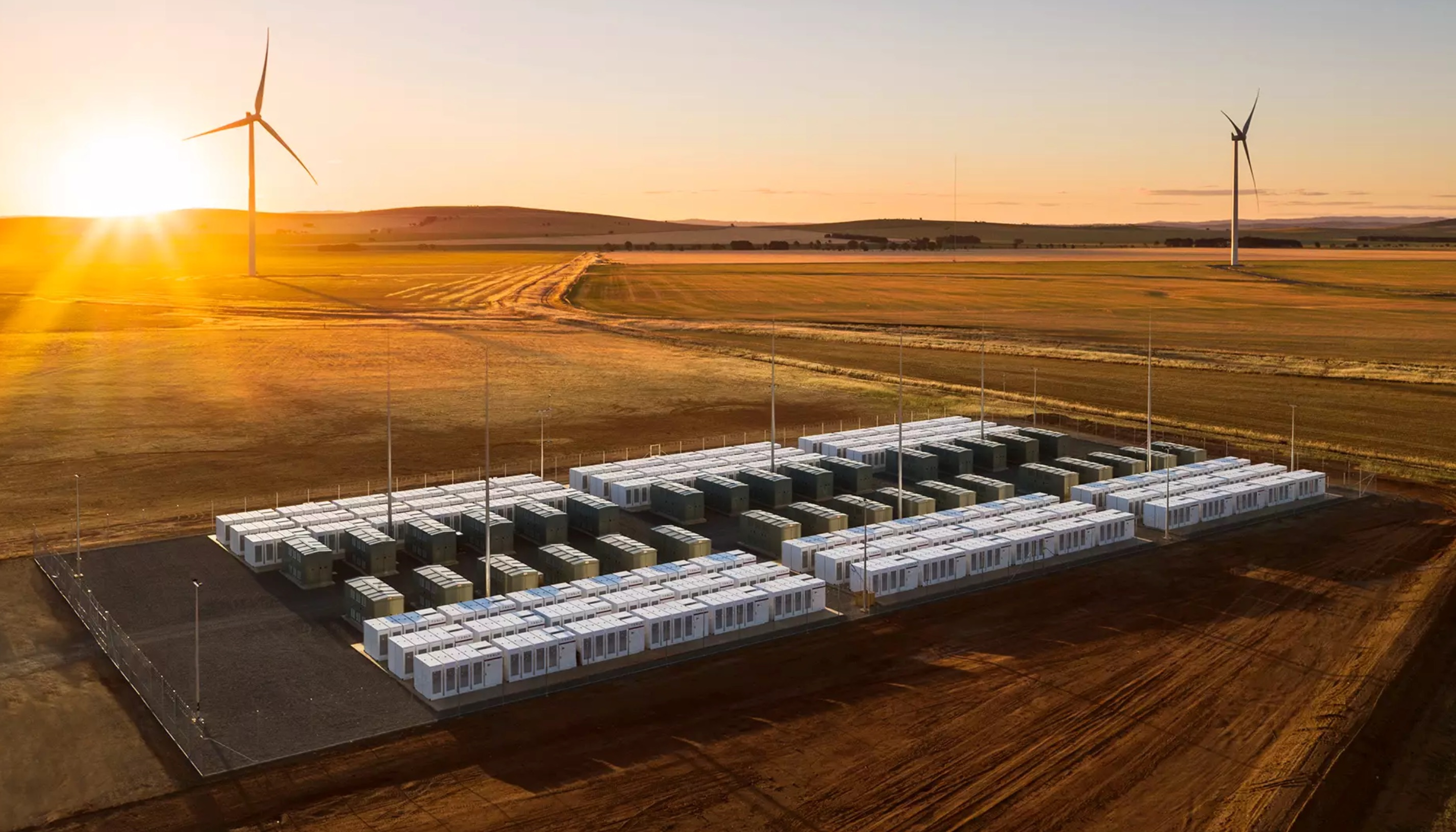 tesla-powerpack-hornsdale_wind-farm-sunset