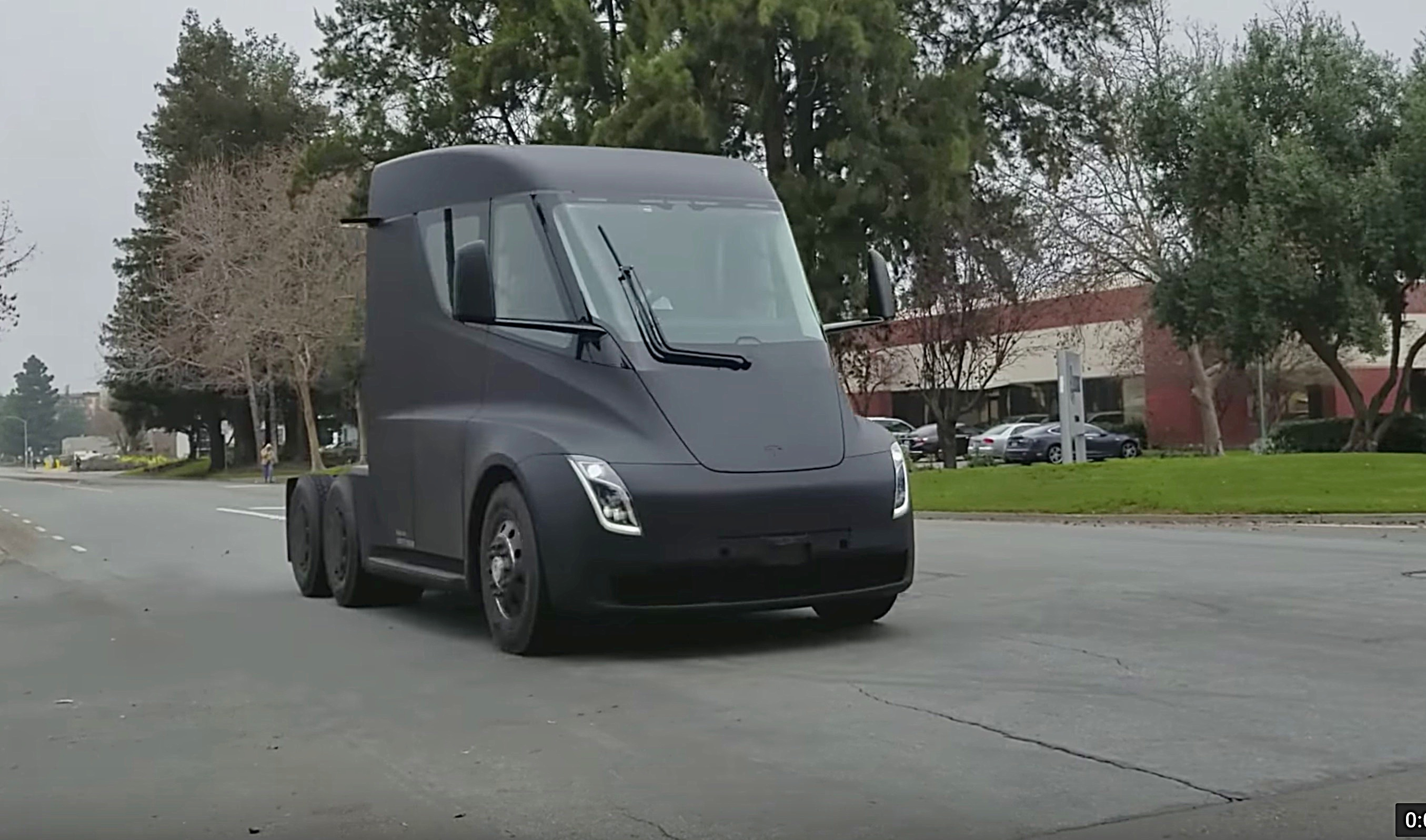 Someone spotted a Tesla Semi on a public road