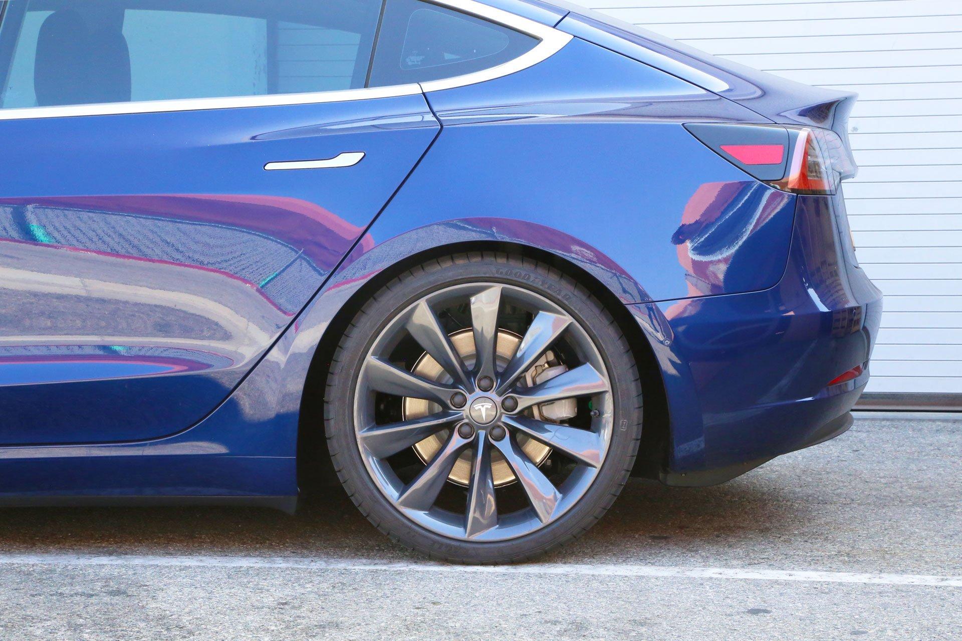 EVWheel_Direct_20inch_Metallic_Grey_EVT_Turbine_Wheels_Tesla_Model_3-Blue__004_2000x