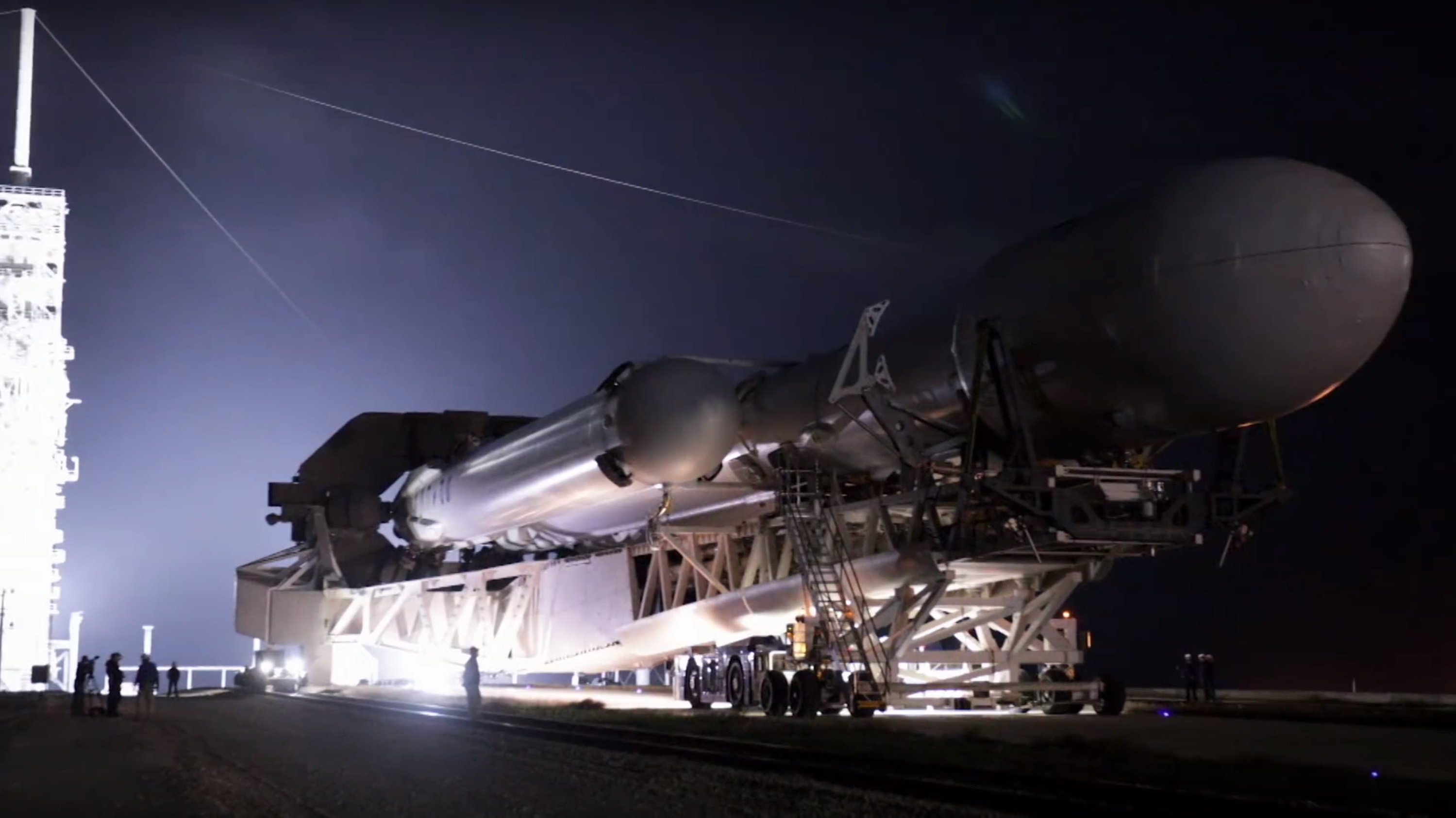 FH rollout 7 (SpaceX)