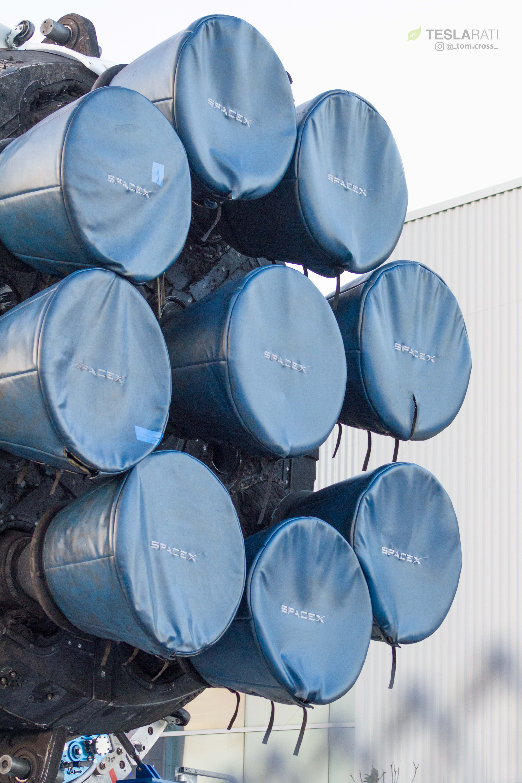 Falcon Heavy display merlins and octaweb (Tom Cross) (8)