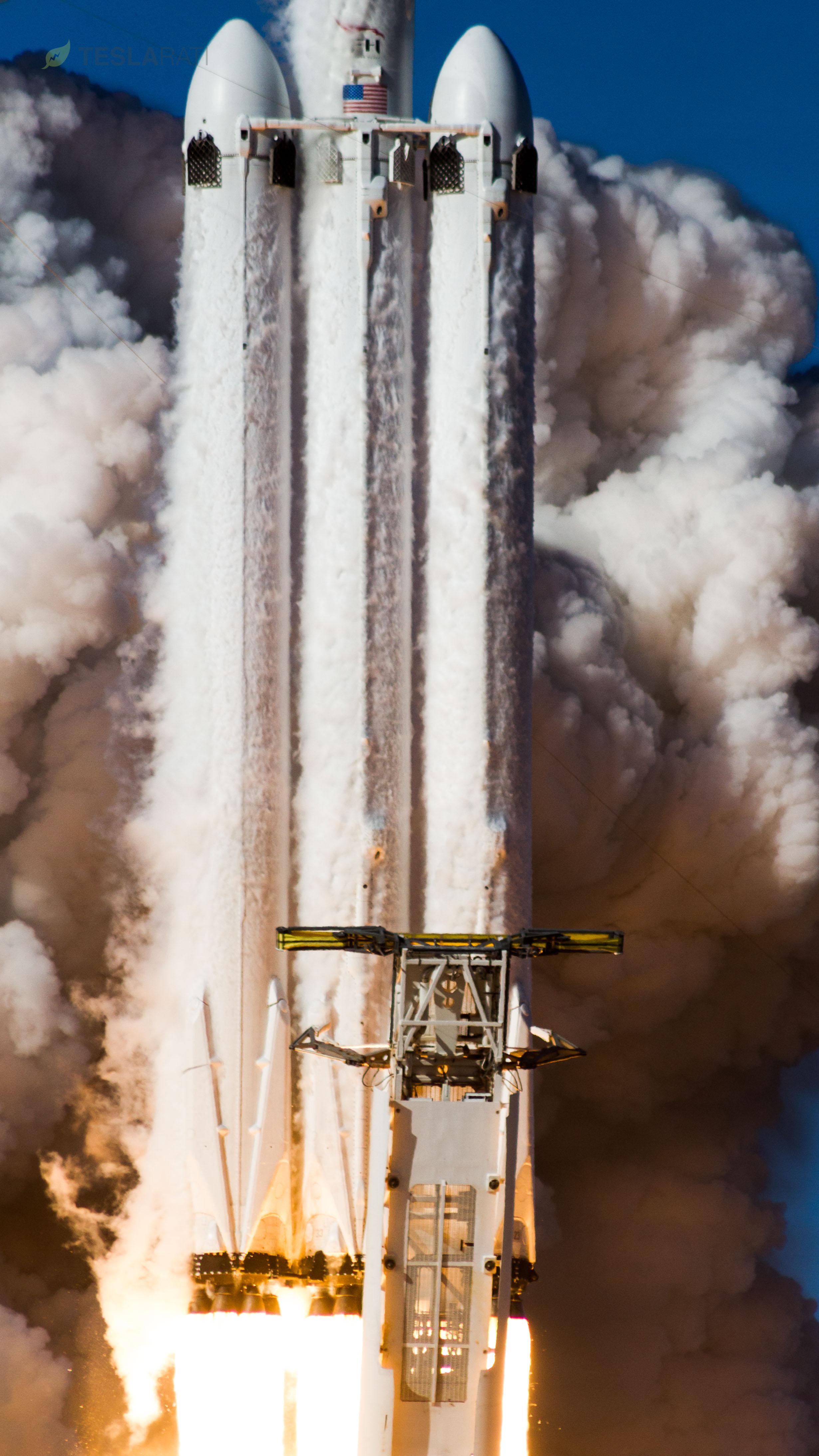 Falcon Heavy takes flight (Tom Cross)