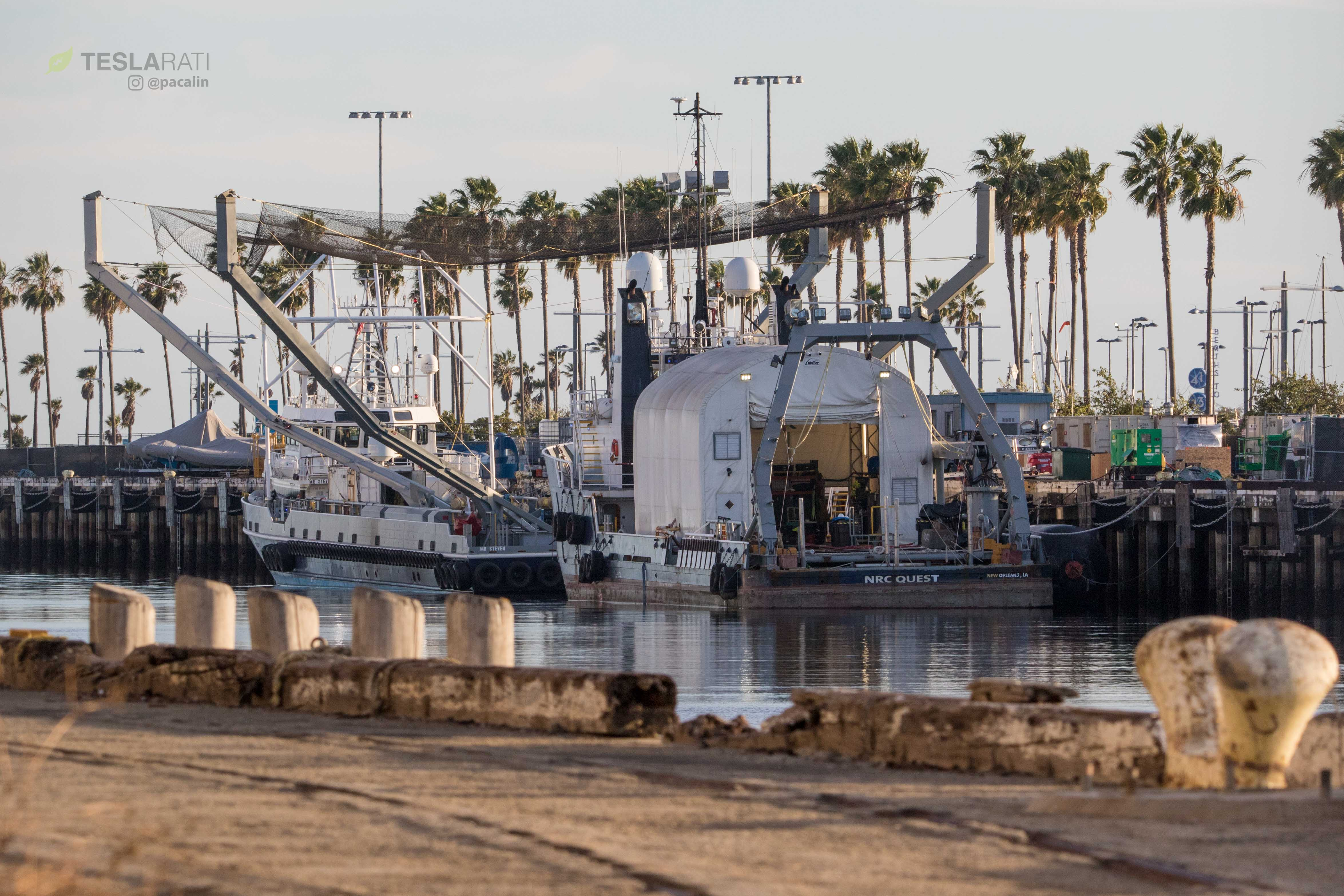 SpaceX fairing recovery boats 2 (Pauline Acalin)