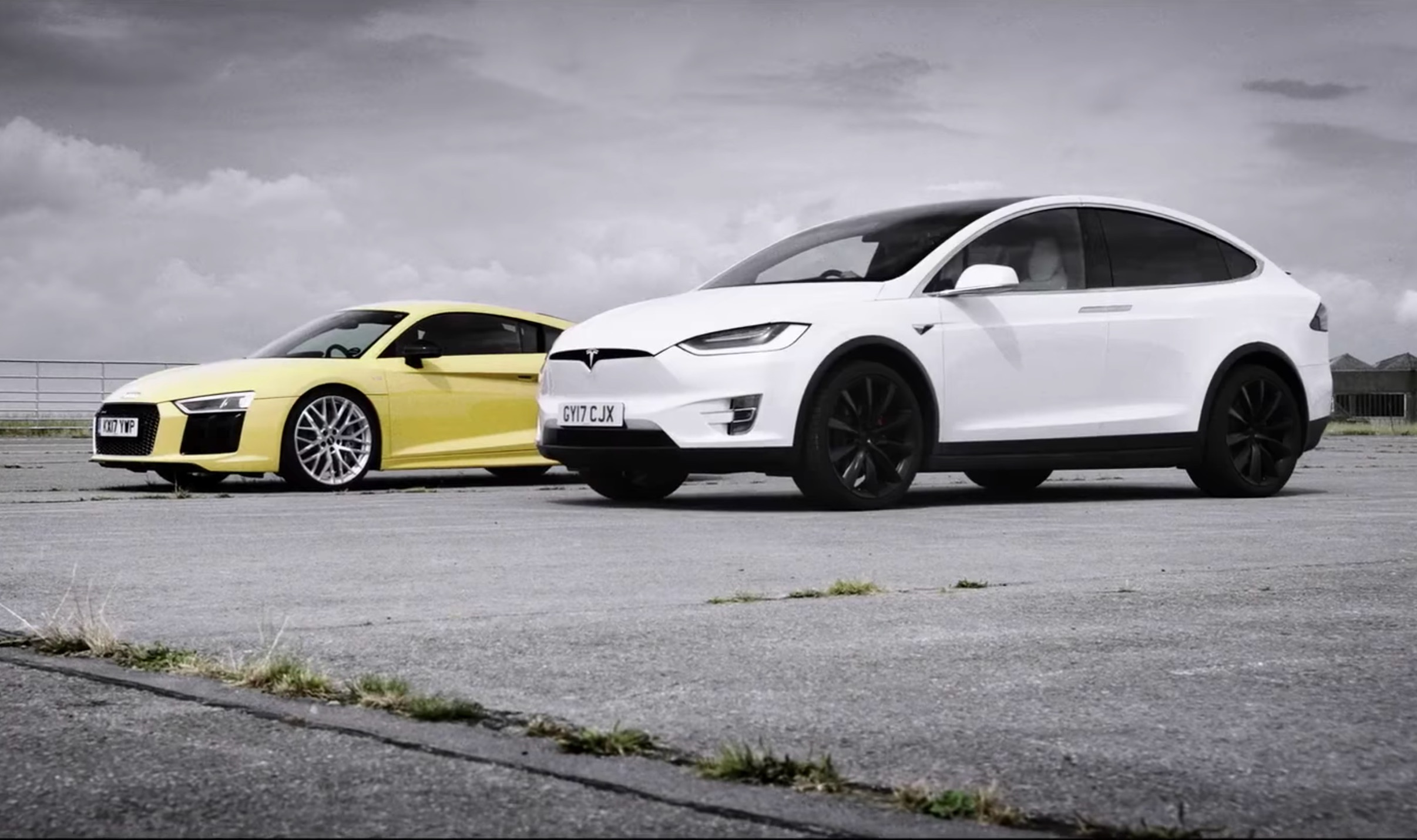 jeremy-clarkson-grand-tour-tesla-model-x-drag-race