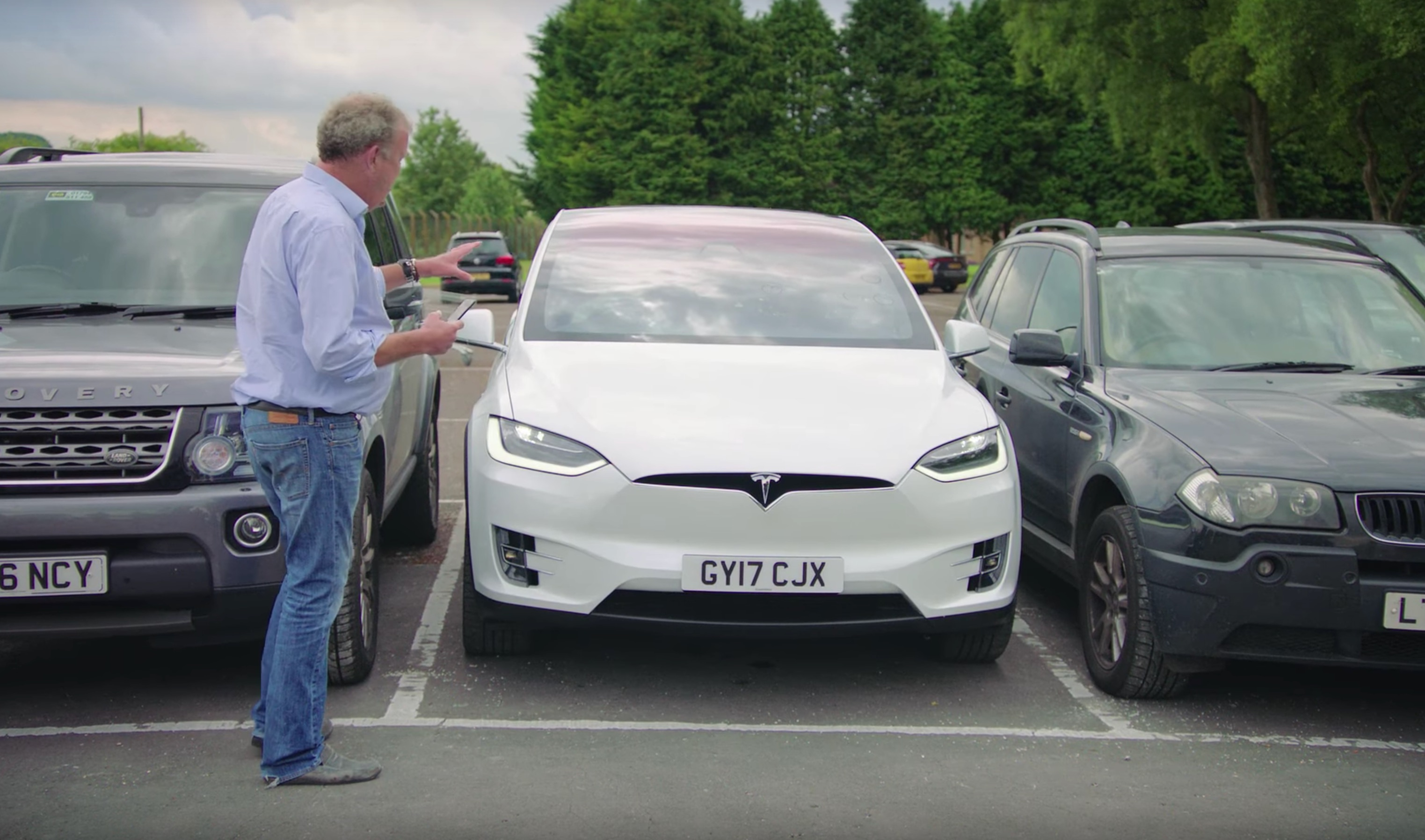 jeremy-clarkson-grand-tour-tesla-model-x-review-parking