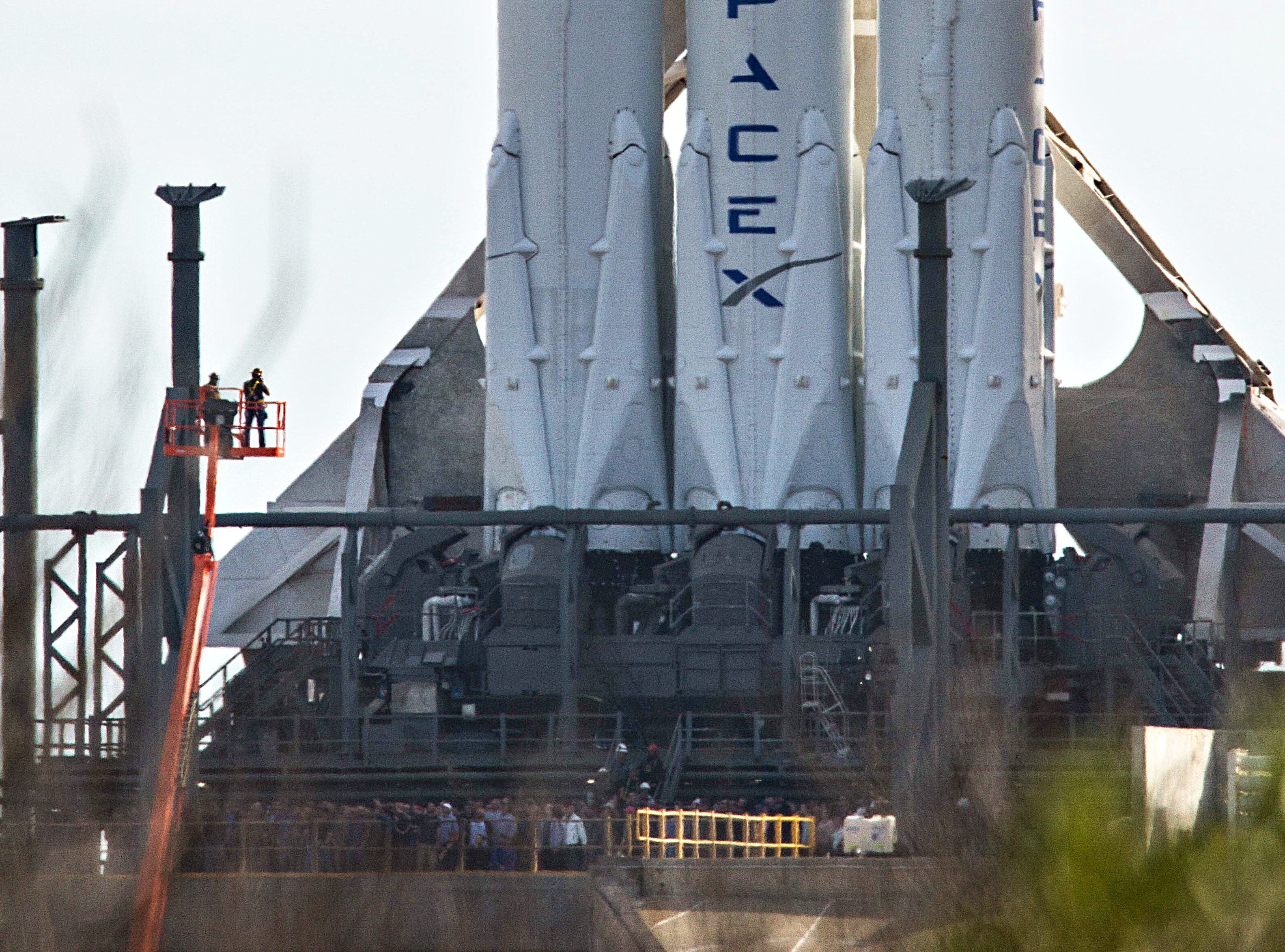 spacex-falcon-heavy-booster-engines