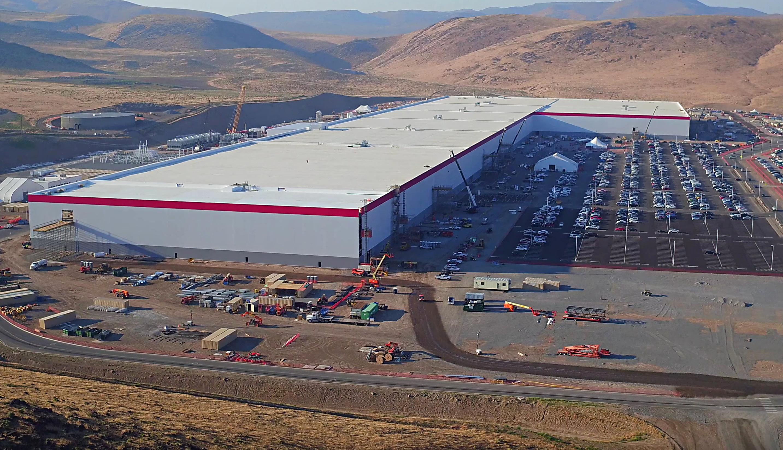 Нетолько лишь Hyperloop. Омелян решил уговаривать Tesla построить вУкраинском государстве Gigafactory