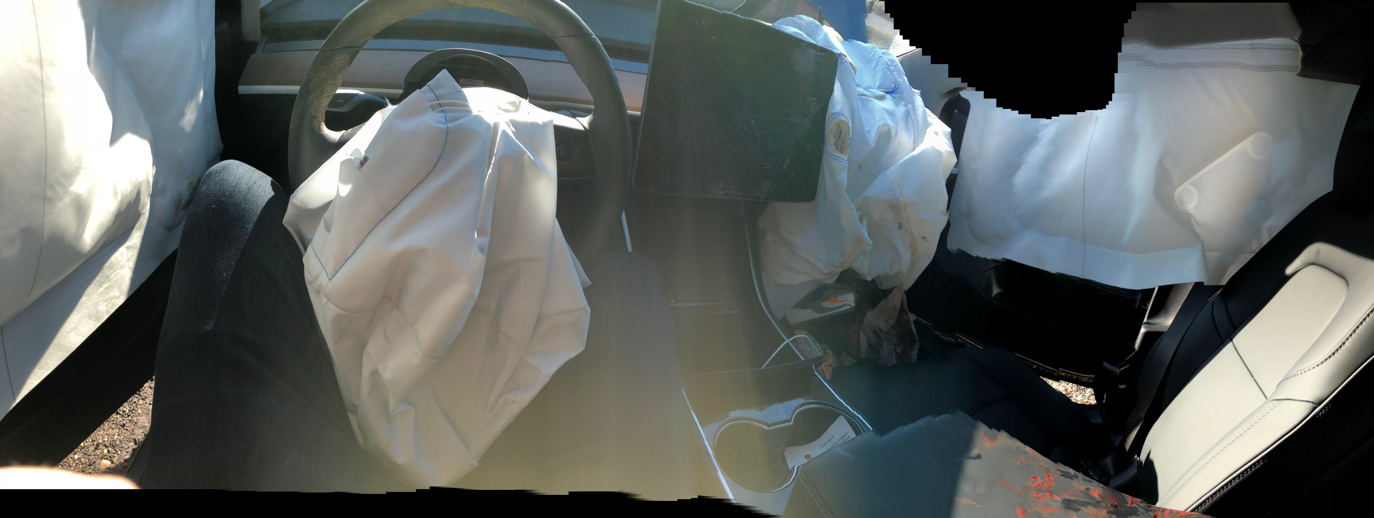 tesla-model-3-crash-accident-airbags