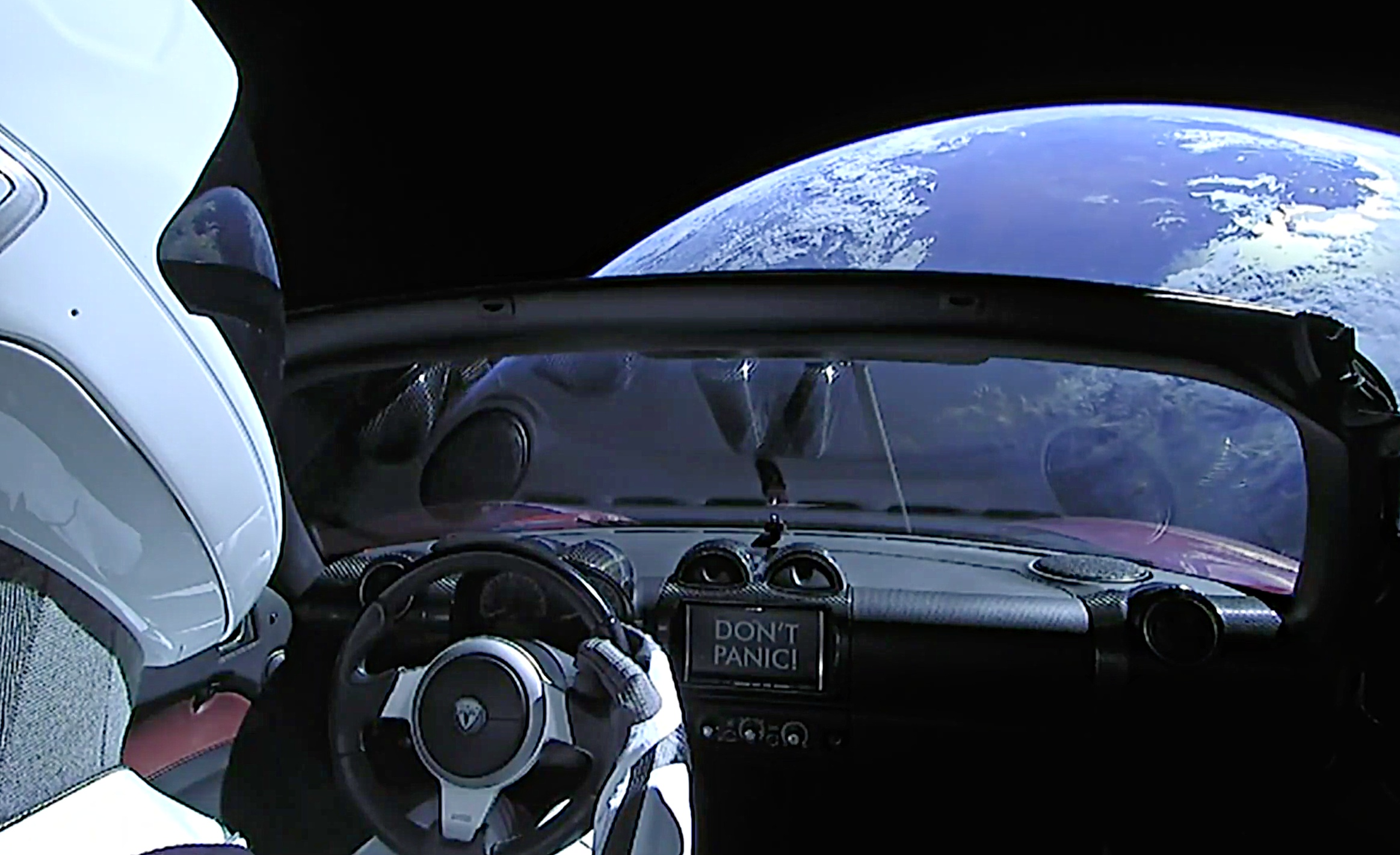 tesla-roadster-starman-earth