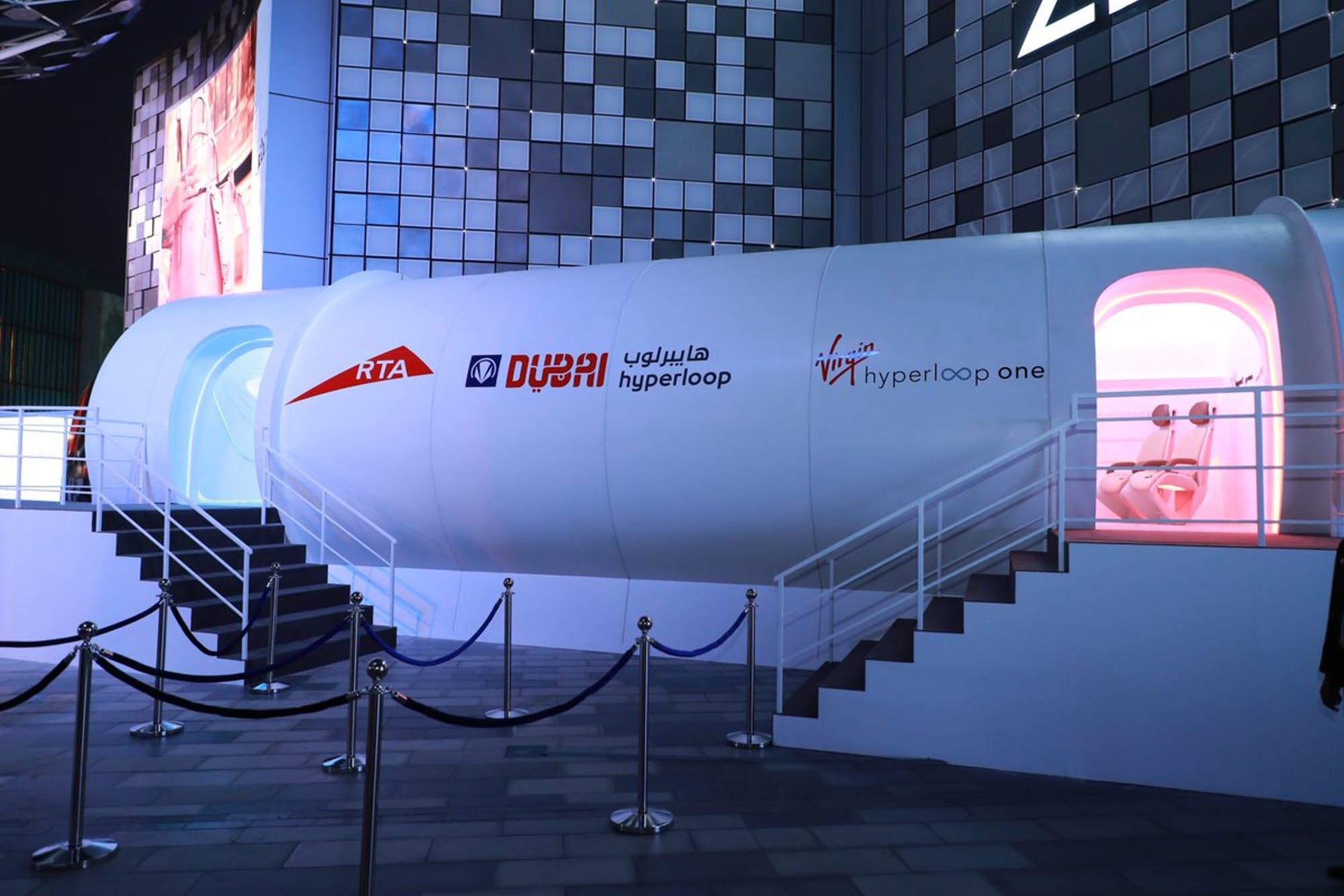 virgin-hyperloop-one-pod-full-scale-prototype-dubai