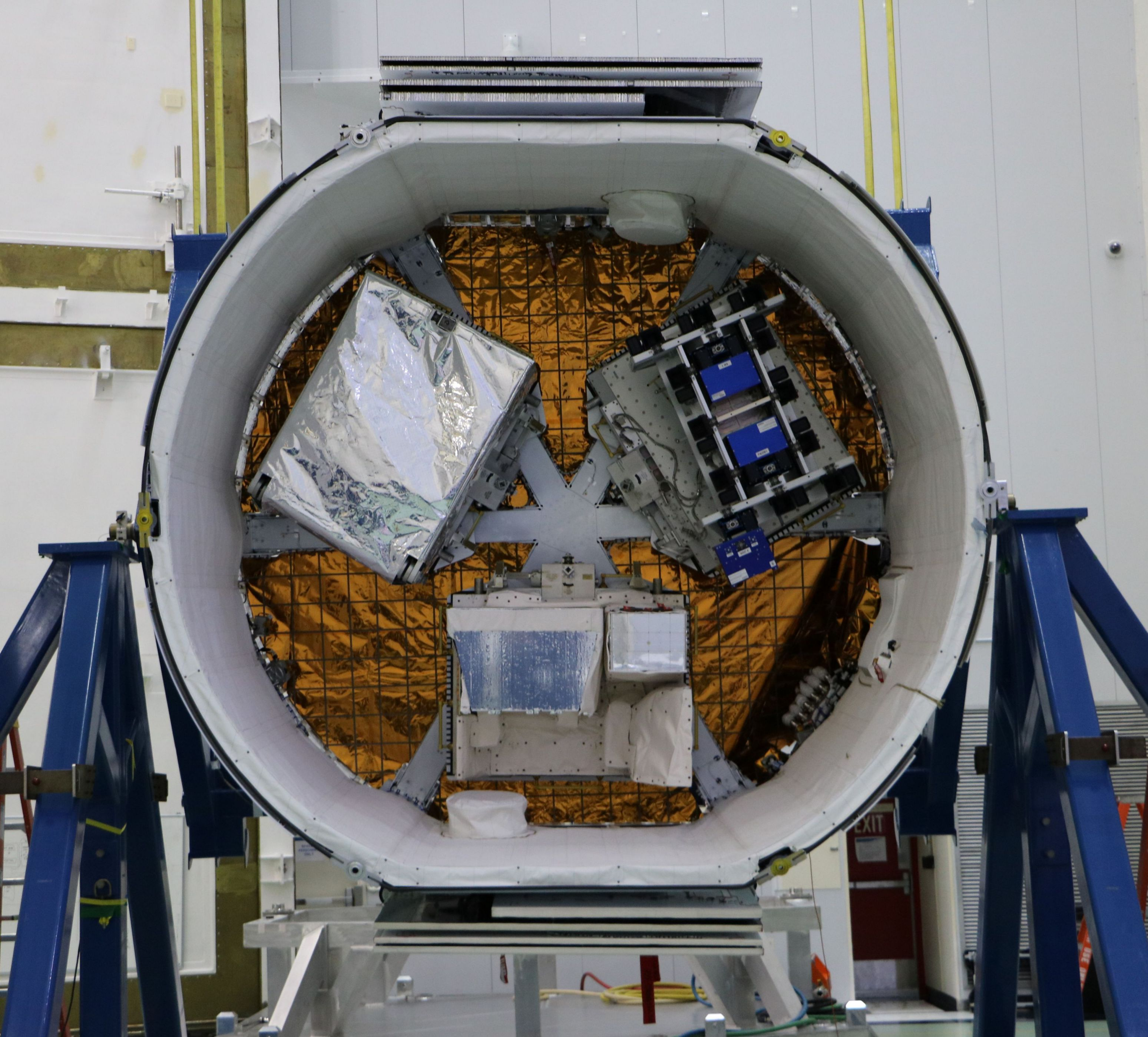 CRS14 Dragon trunk (ESA)