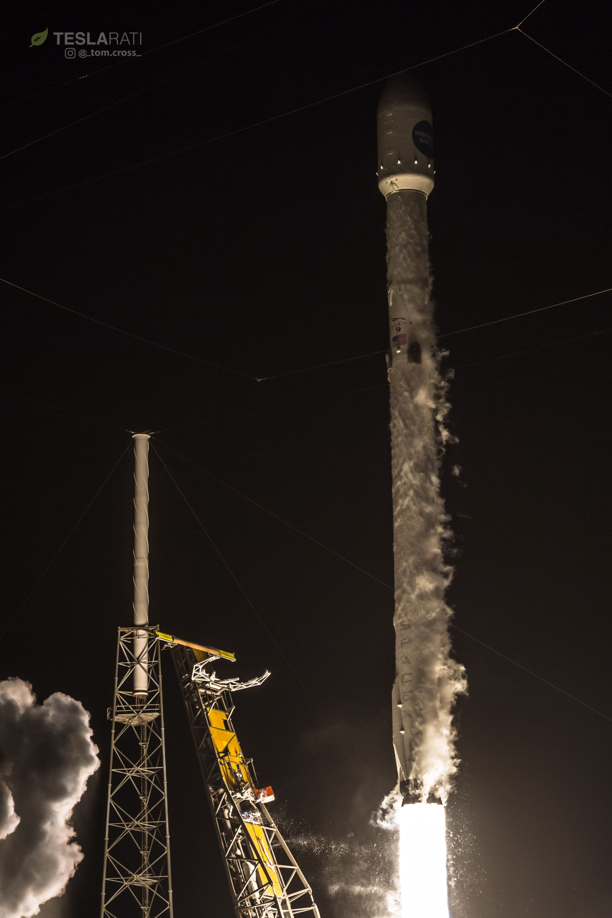 Hispasat 1044 liftoff 1 (Tom Cross)